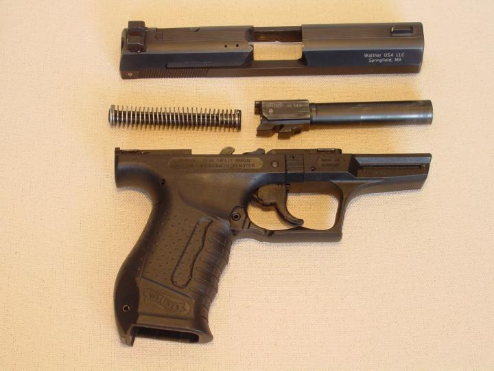 Disassembly Walther P99 File:p99-disassembled-720x540