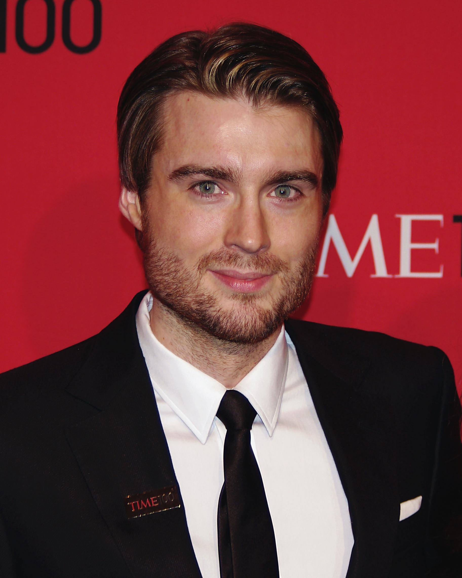 The 32-year old son of father (?) and mother(?), 182 cm tall Pete Cashmore in 2017 photo