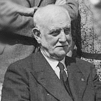 Photo 7 council 1938, wri george lansbury head crop