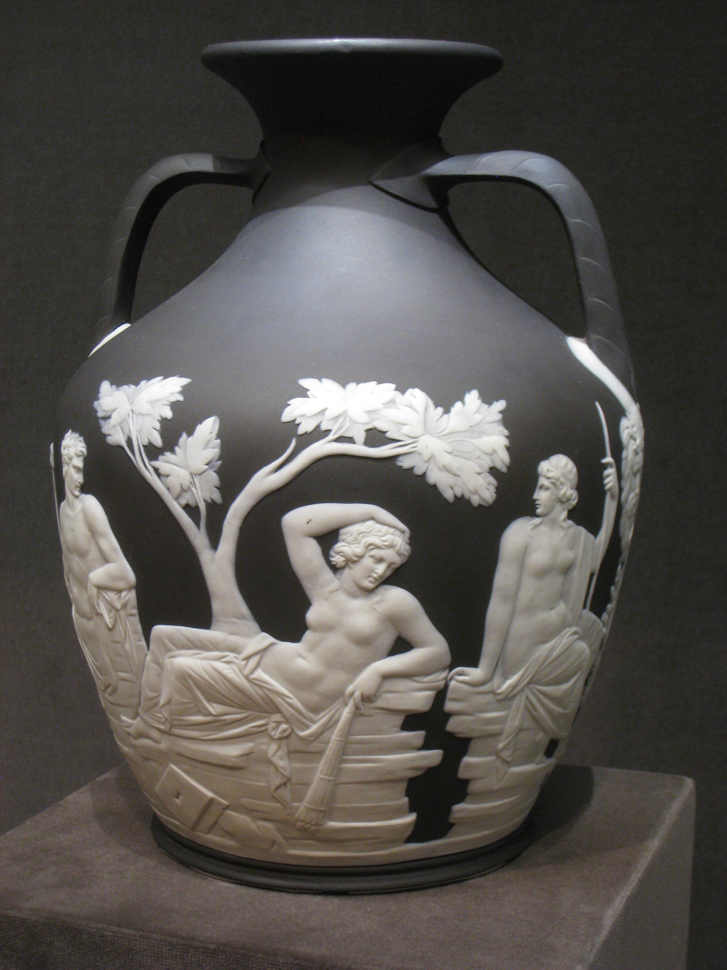 Fileportland vase by wedgwood view 1g wikimedia commons fileportland vase by wedgwood view 1g reviewsmspy