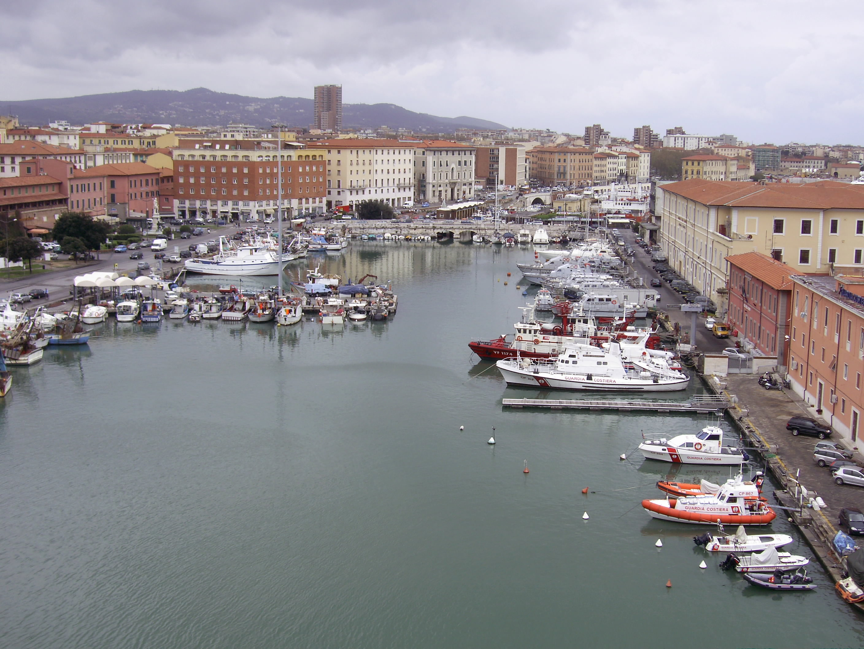 Description Porto vecchio (Livorno).jpg