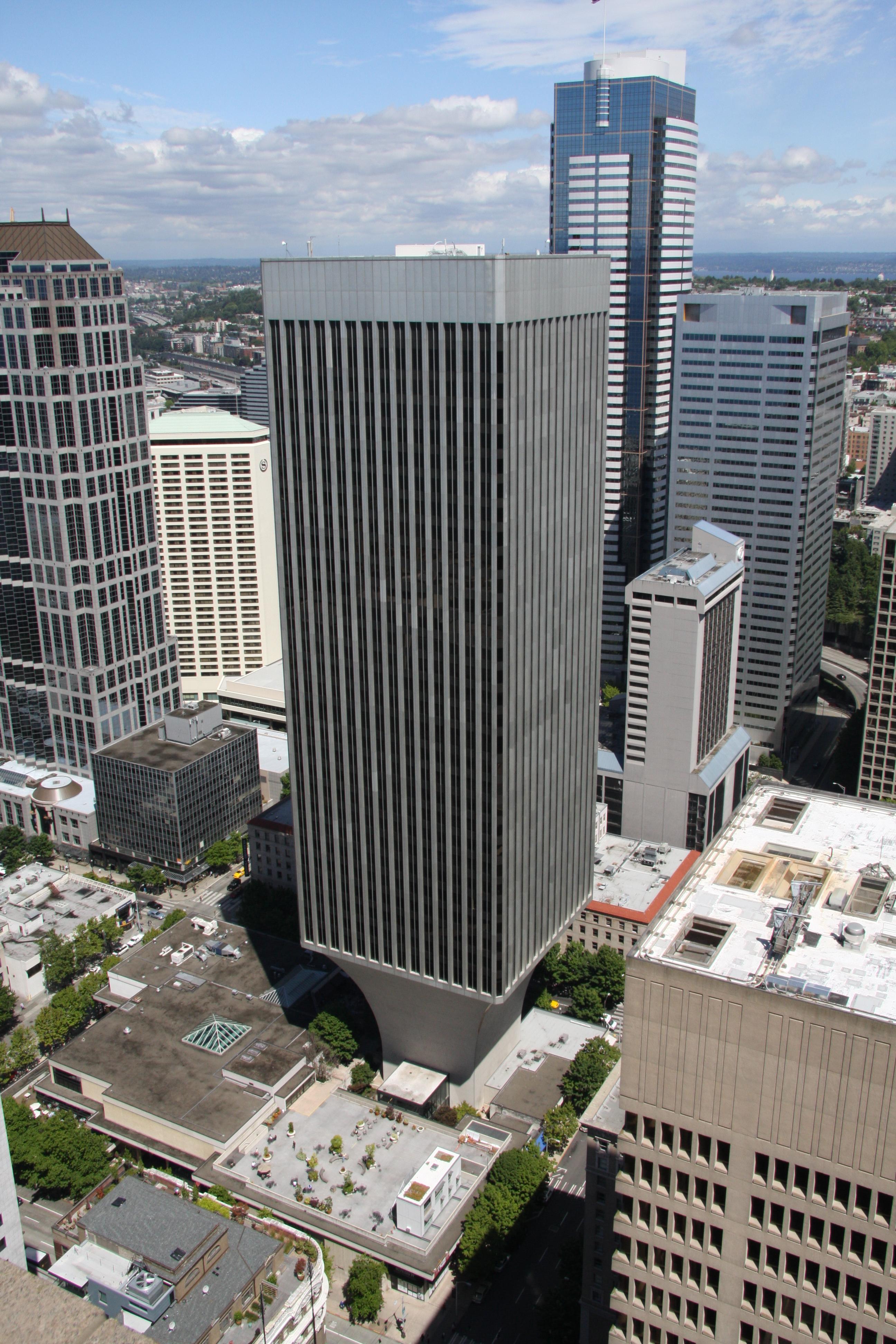 File Rainier Tower Seattle Washington Jpg Wikimedia Commons
