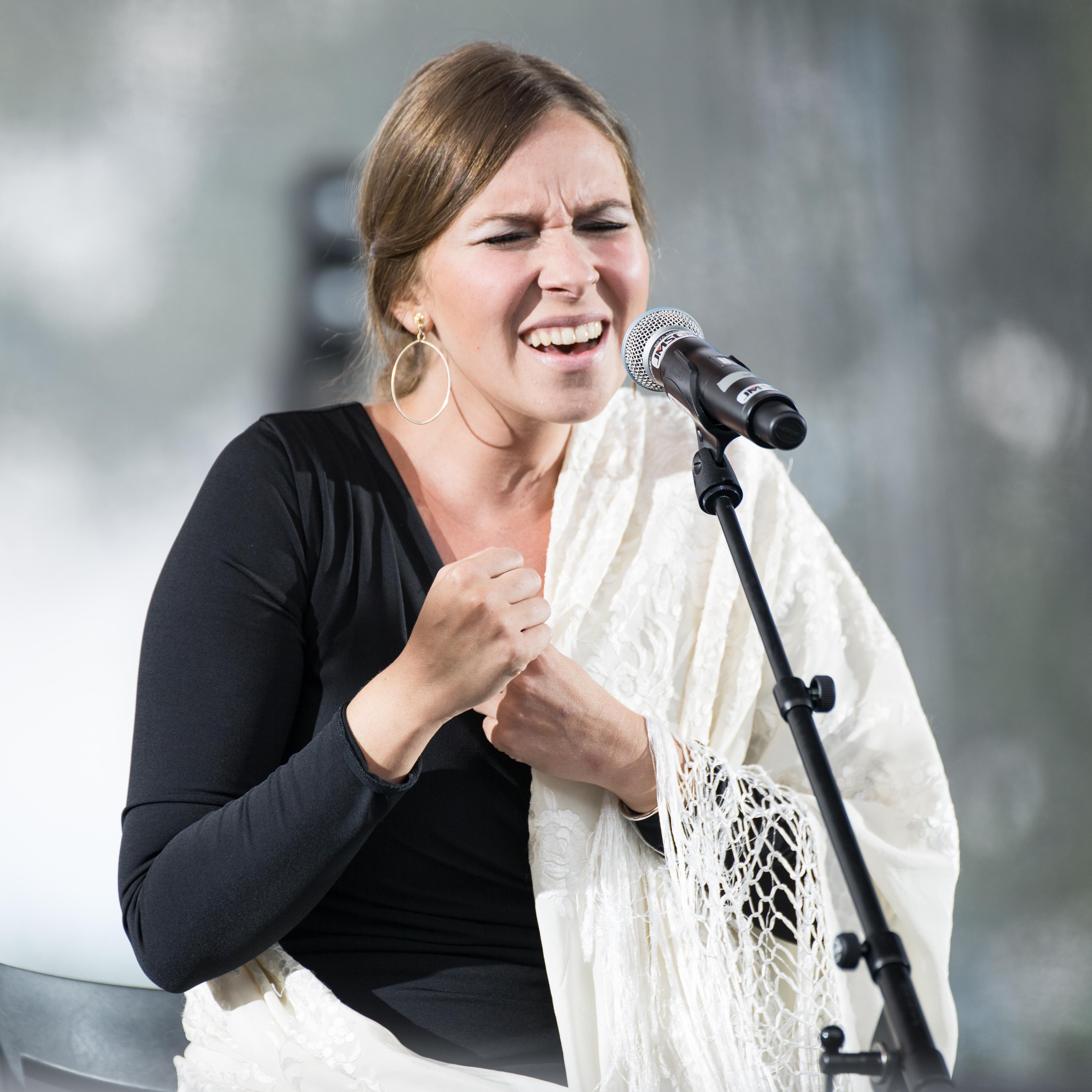 Actuación en el Festival Rio Loco (2015).