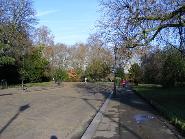 Road into Battersea Park - geograph.org.uk - 1128560