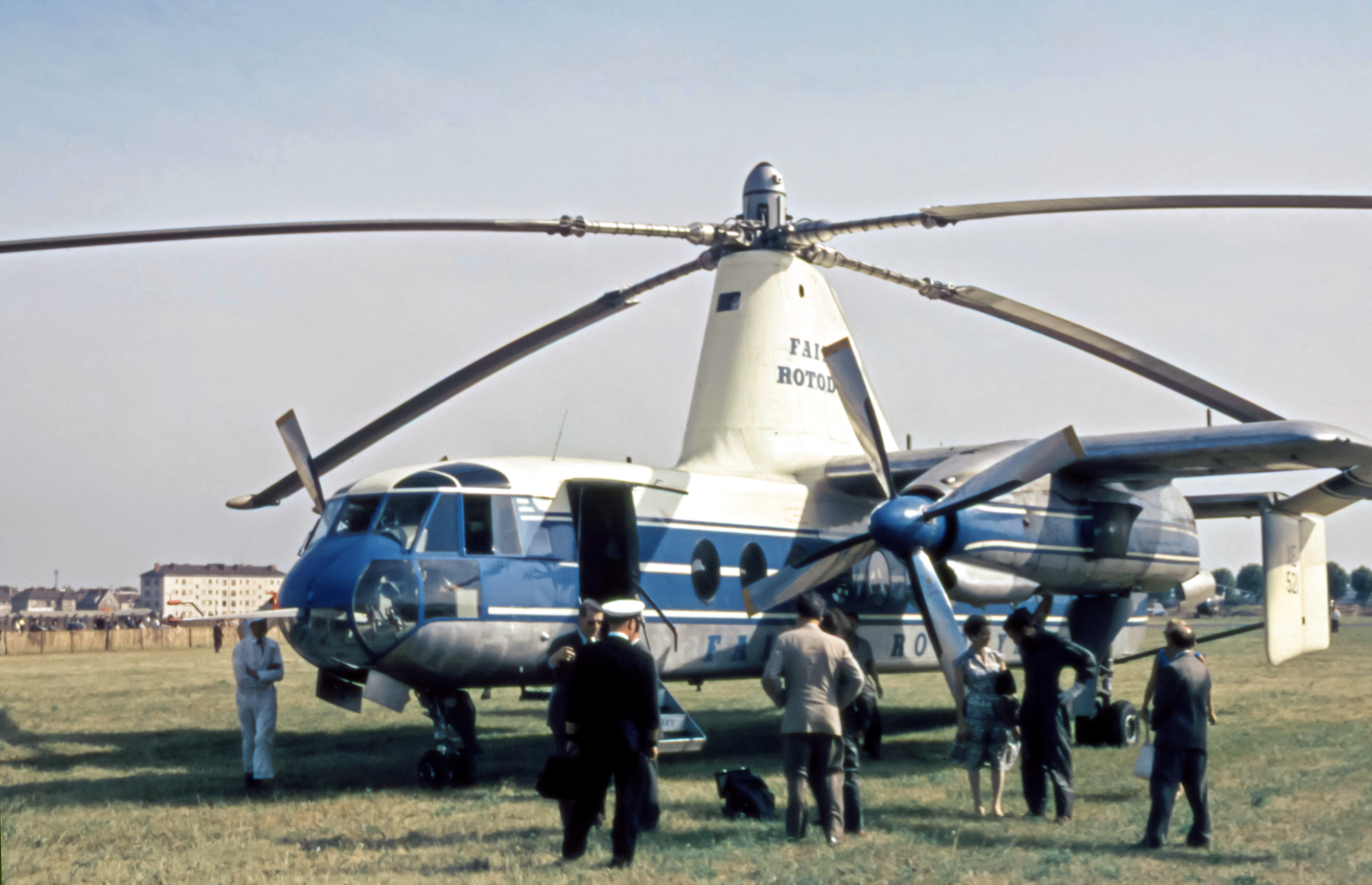 pics of military helicopters with Fairey Rotodyne on Dehaviland in addition Mi 26 also V 22 Osprey together with Helicopter military Gazelle g also 11415299716.