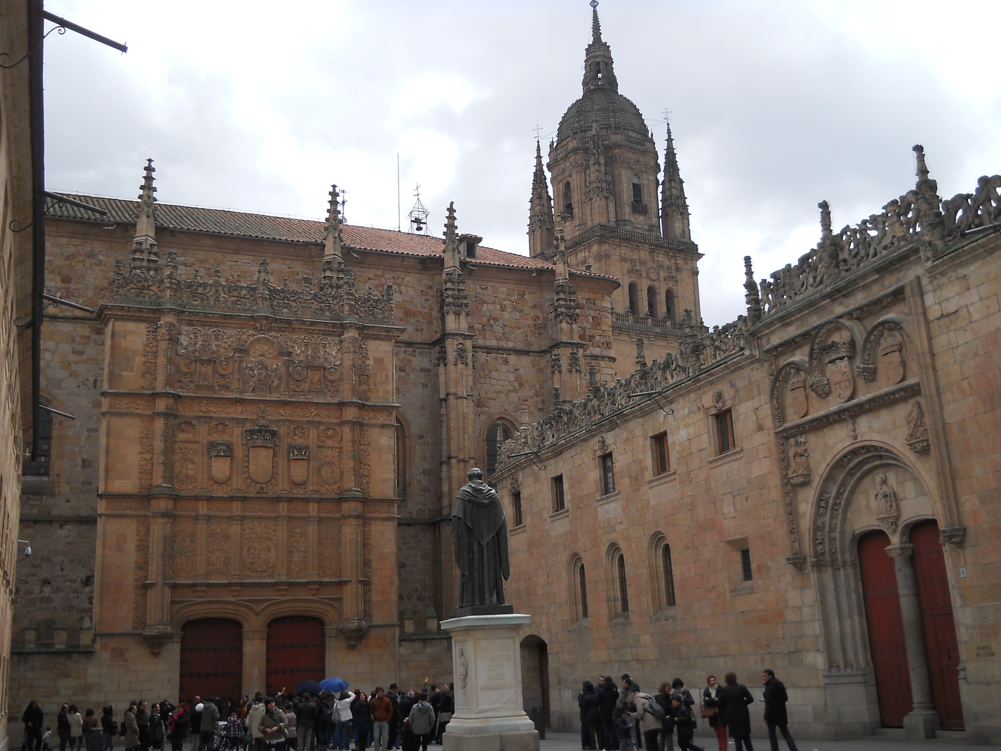 Archivo salamanca universidad patio de wikipedia la enciclopedia libre - Fotos universidad de salamanca ...