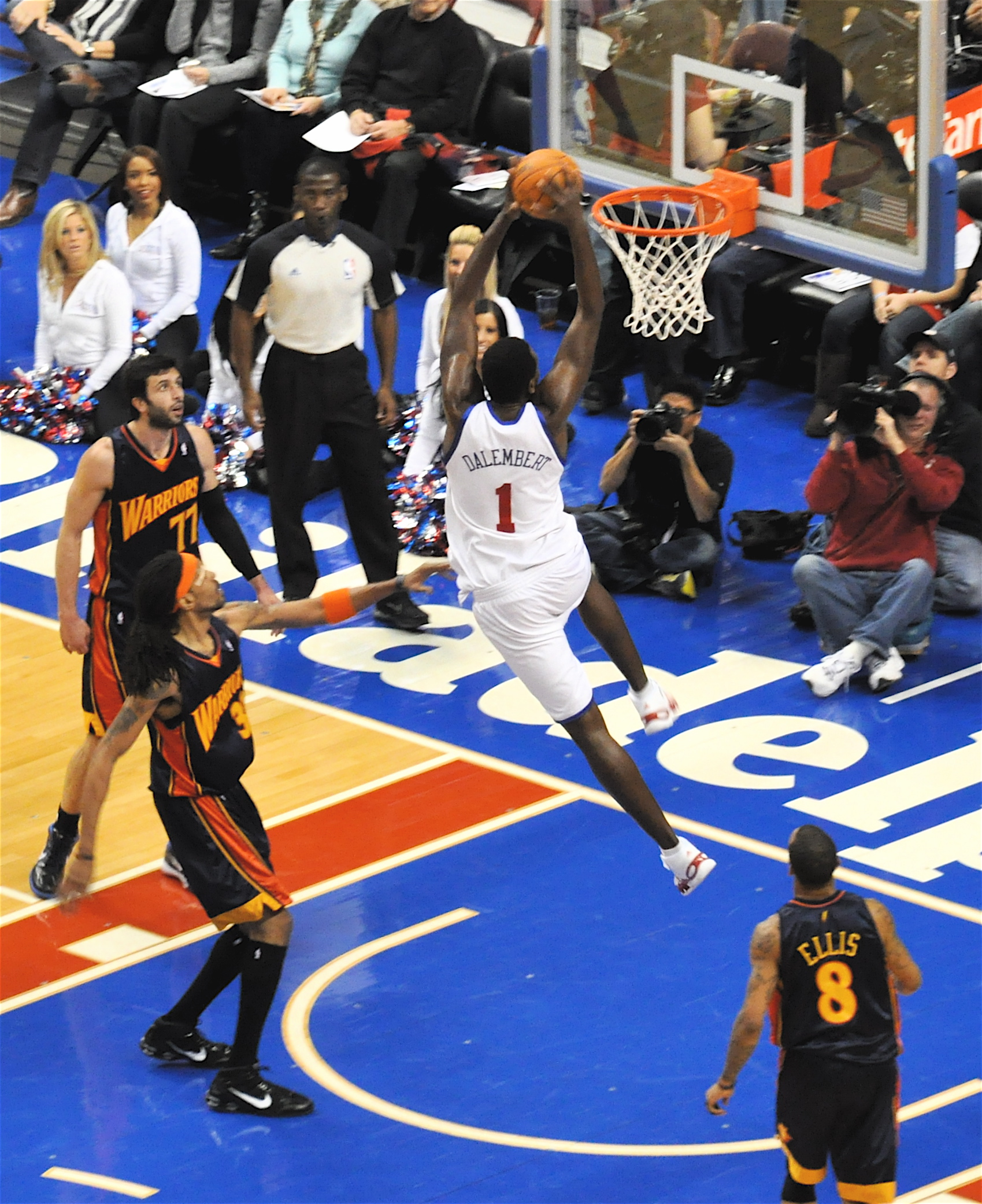 File:Samuel Dalembert and the Sixers.jpg - Wikimedia Commons