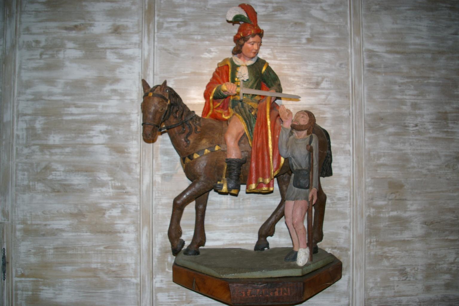 Statue Saint Martin Centre Ville Grosse Dame Noire
