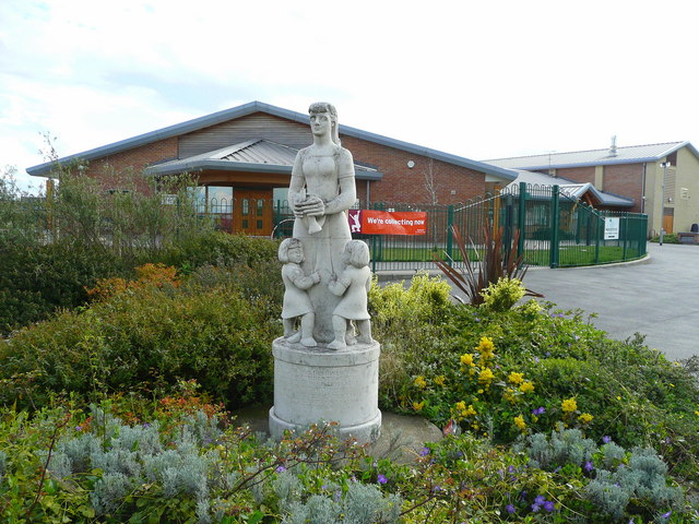 File:Sculpture At Lincoln Gardens Primary School   Geograph.org.uk   869306