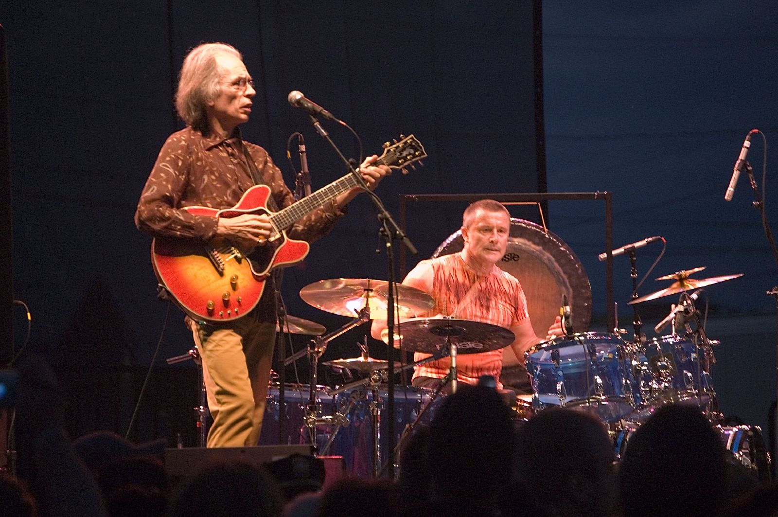 [Image: Steve_Howe_and_Carl_Palmer_7069.jpg]