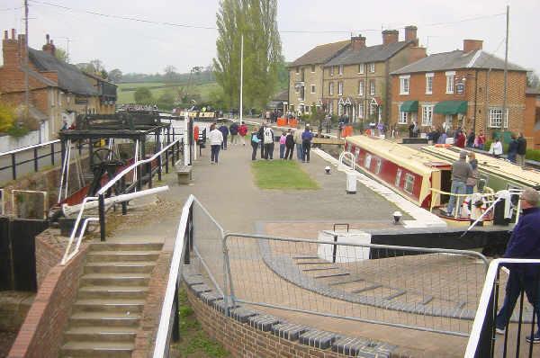 Stoke Bruerne - geograph.org.uk - 3768