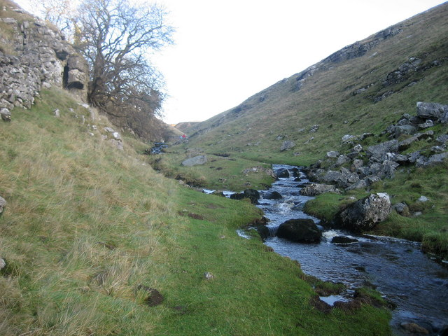 Stream above Trollers Gill - geograph.org.uk - 653501