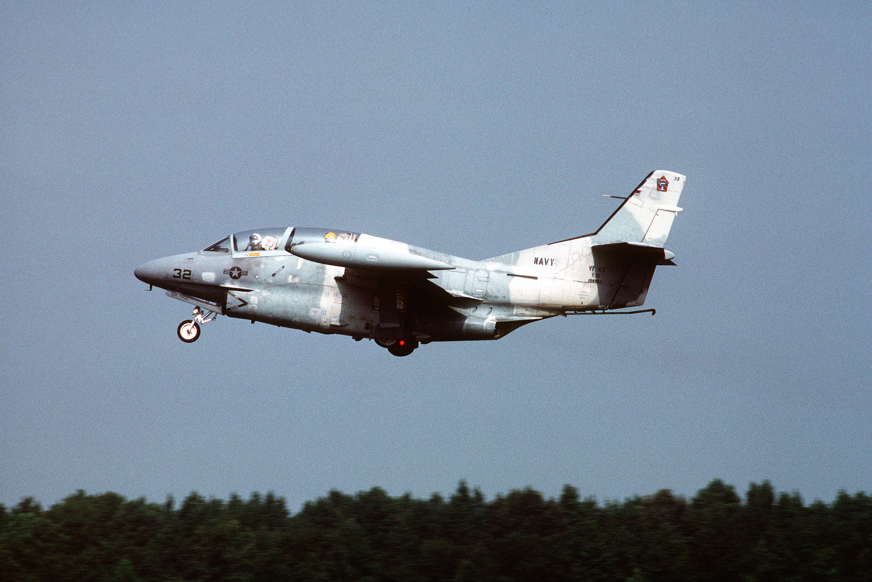 file t 2c vf 43 taking off nas oceana 1989 jpeg wikimedia commons