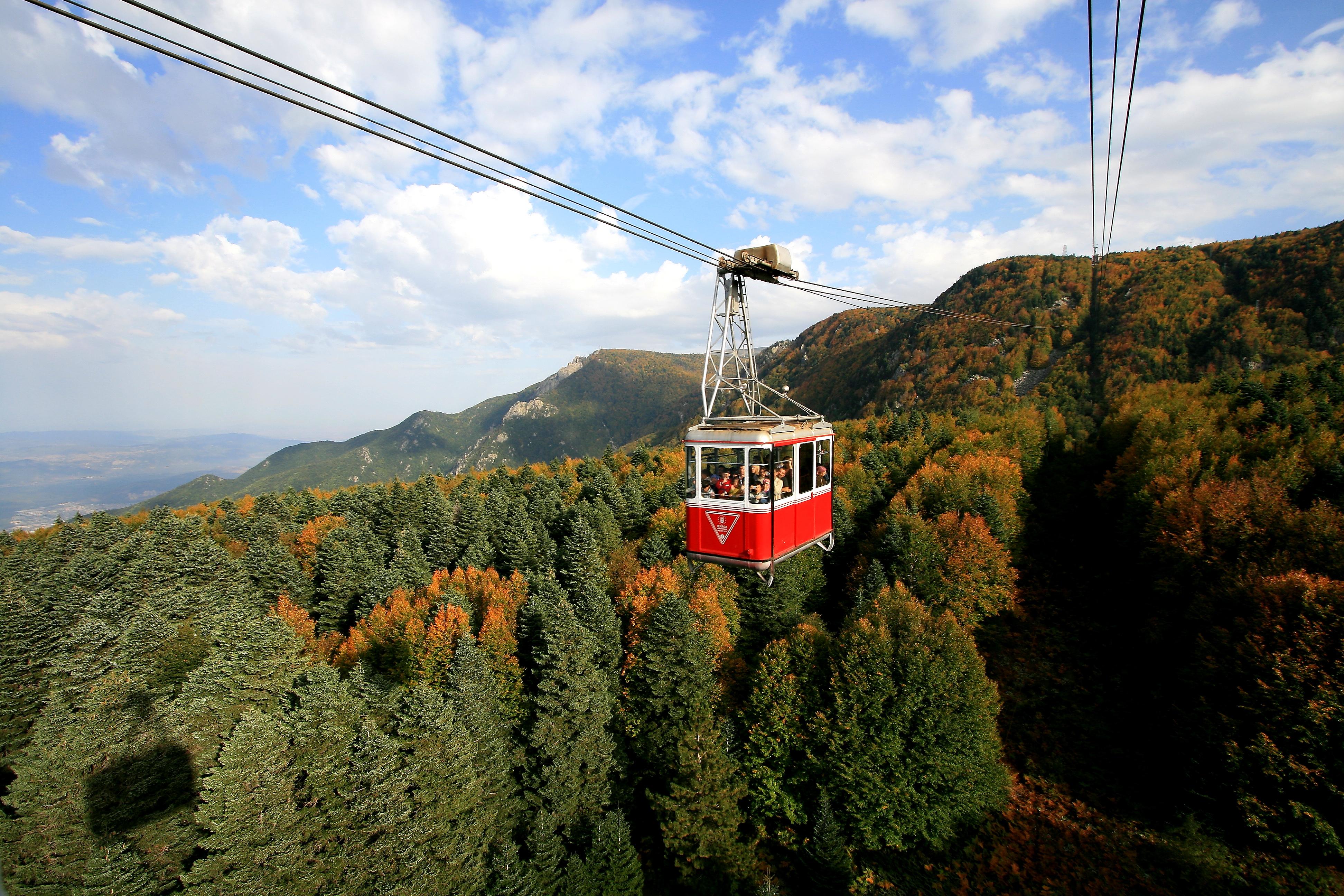 File:Teleferik, Uludağ.jpg - Wikimedia Commons