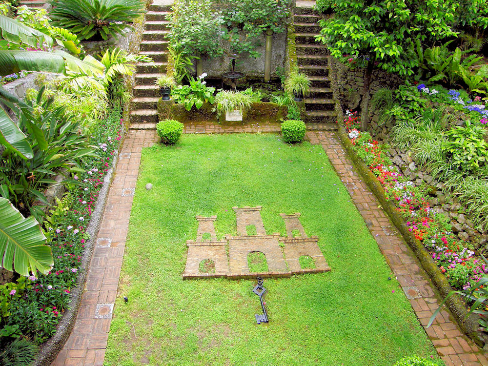Superieur File:The Dell, Gibraltar Botanic Gardens