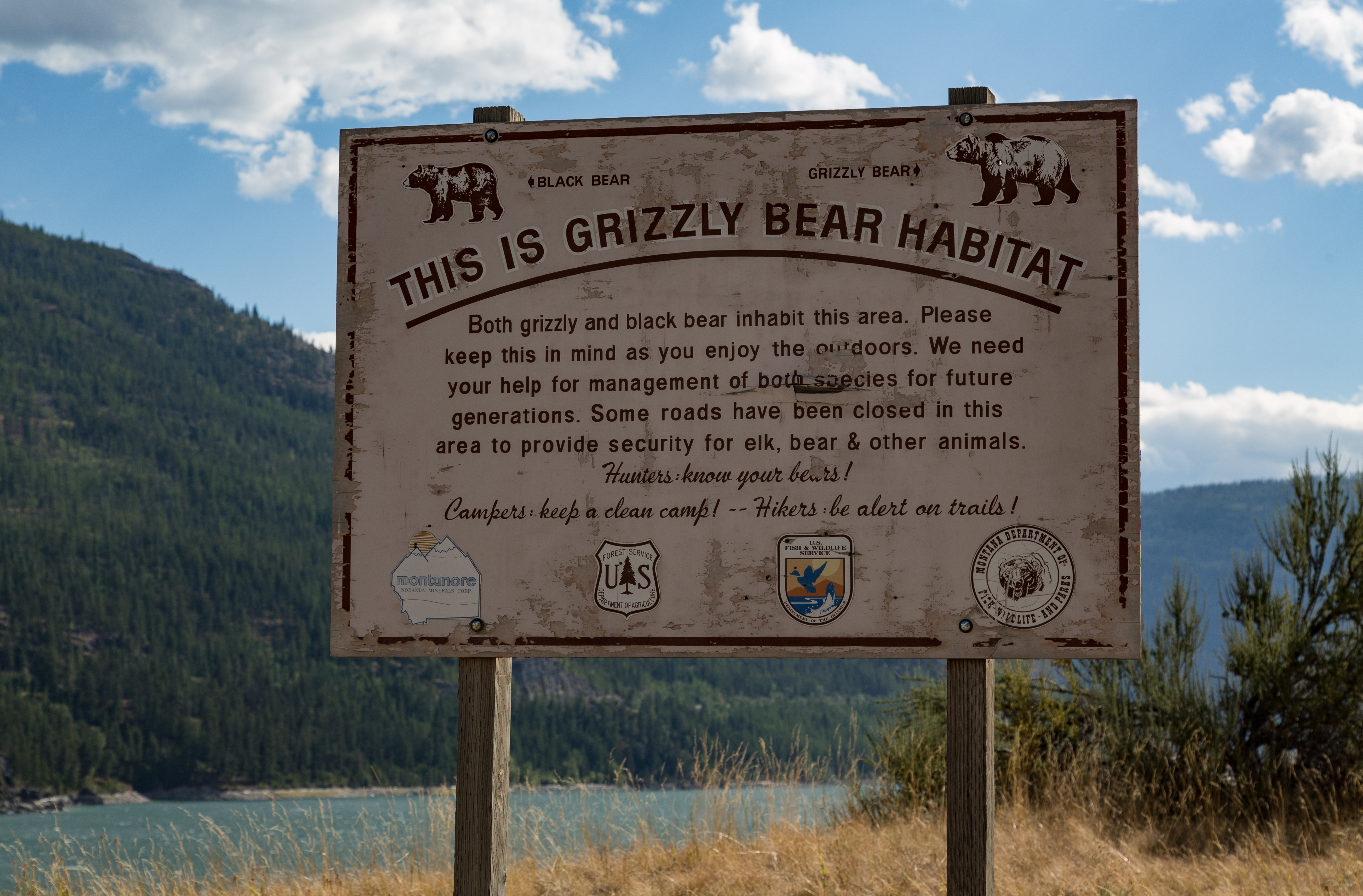 File:This is Grizzly Bear Habitat Sign Kootenai National