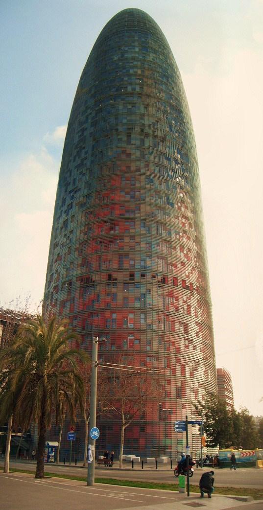 Torre_Agbar_-_Barcelona-doyler79.jpg