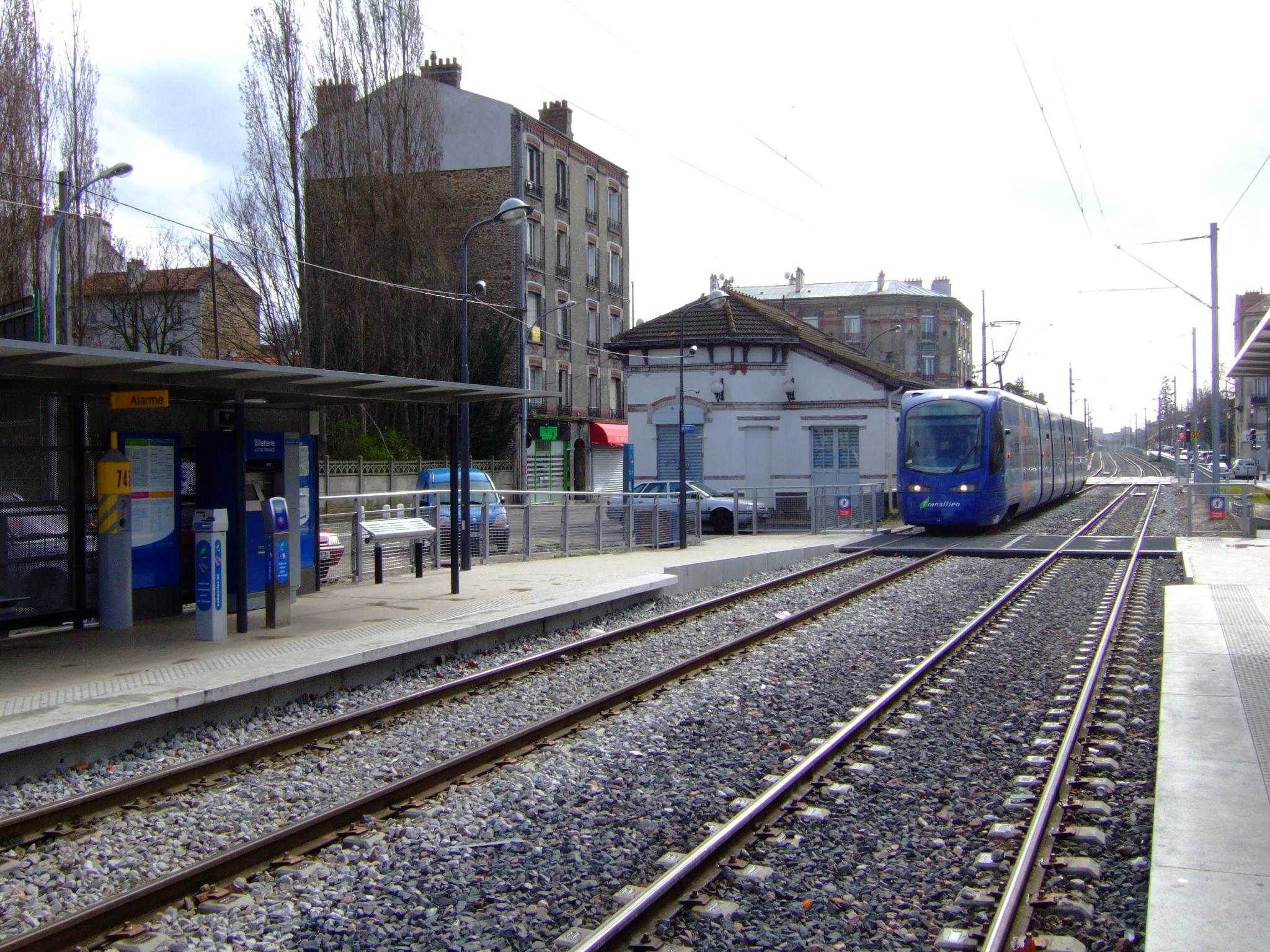 Fichier tram station les pavillons sous bois fr for Piscine les pavillons sous bois