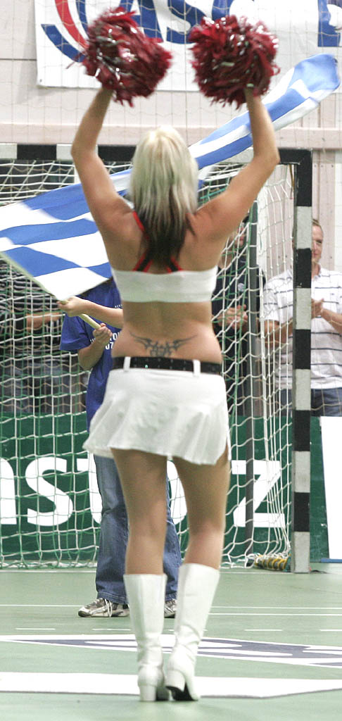 File:Tramp stamp cheerleader