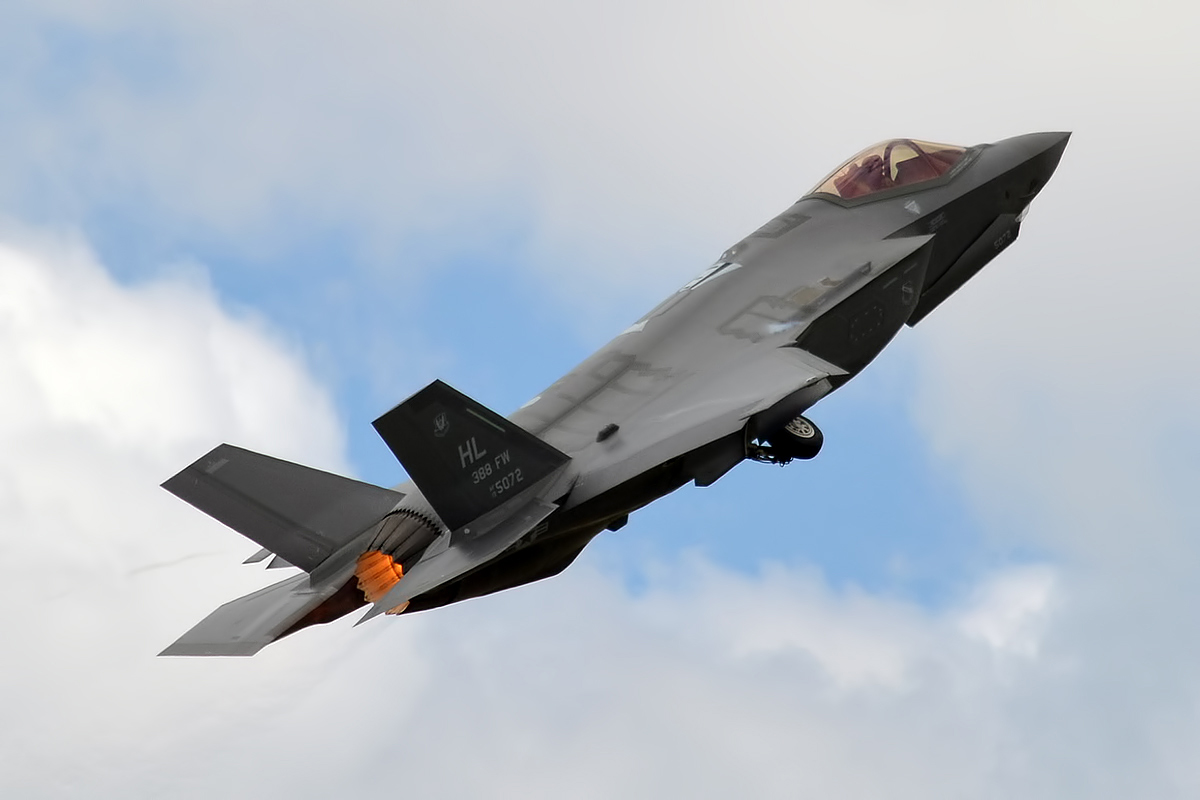 File:U.S. Air Force, 14-5072, Lockheed Martin F-35 Lightning II (35509469512).jpg - Wikimedia Commons