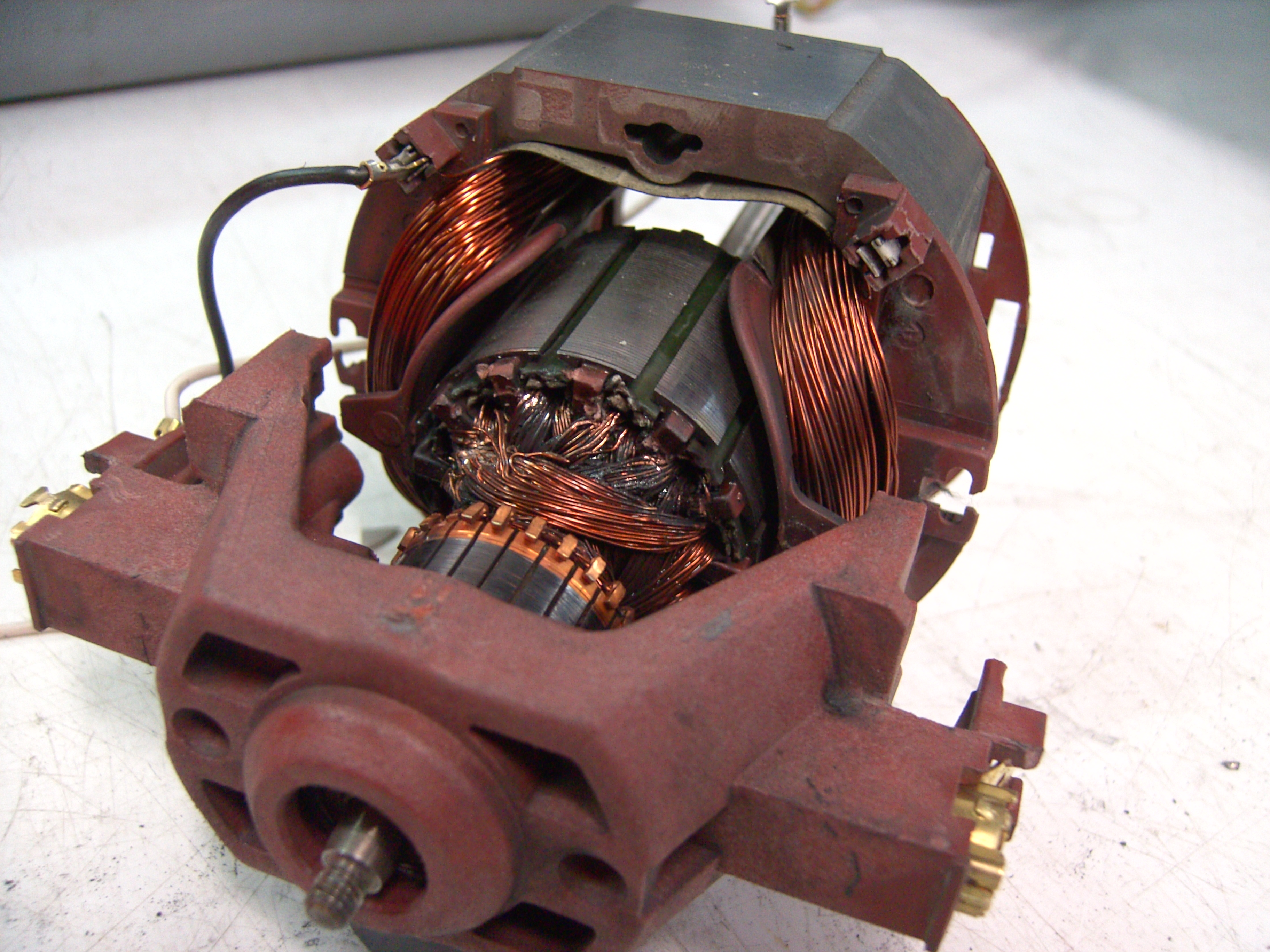 Ac Motors With Brushes besides Electric Motor Definition Physics in addition Electric Motor Definition Physics likewise Brush Motor Diagram also Lab 21 Servo Motor Control. on brushed dc electric motor cutaway
