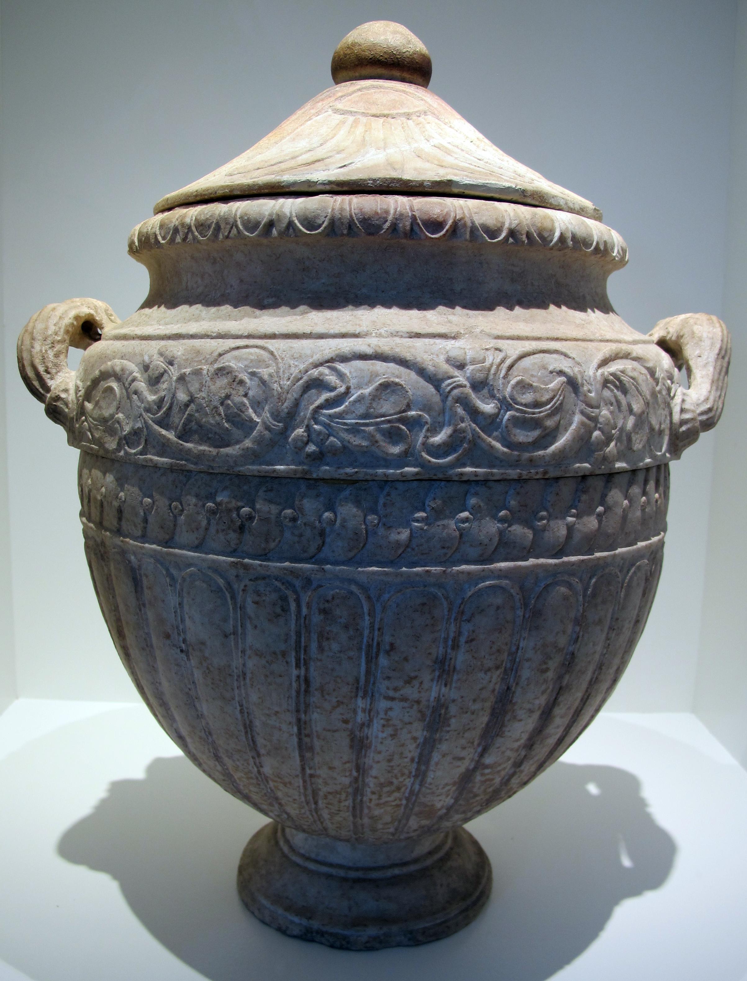Risultati immagini per urna