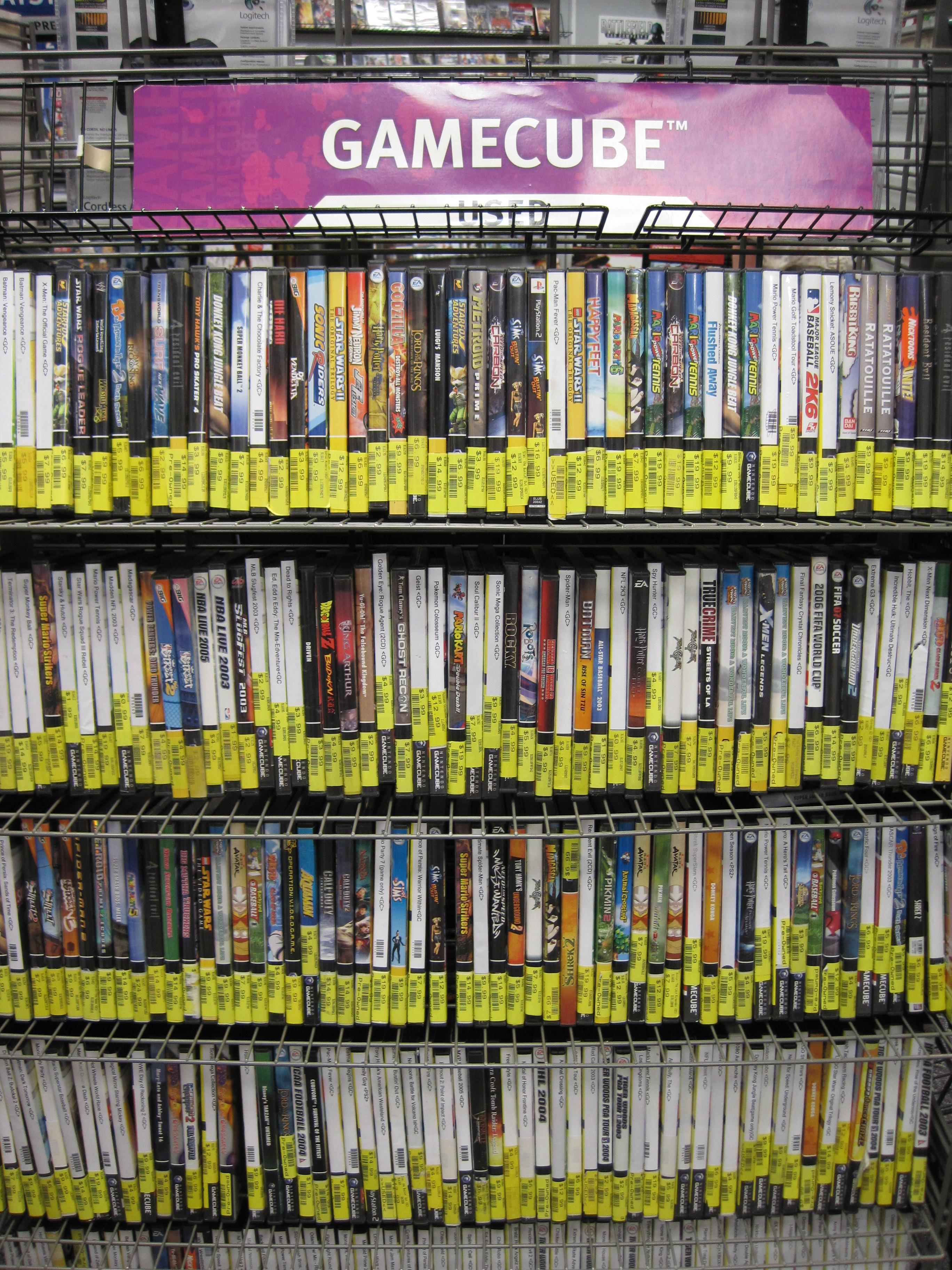 Used_Gamecube_games,_GameStop,_Tanforan.JPG