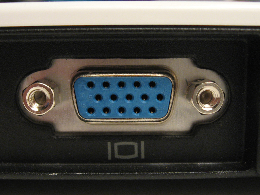 https://upload.wikimedia.org/wikipedia/commons/c/cc/VGA_port.jpg