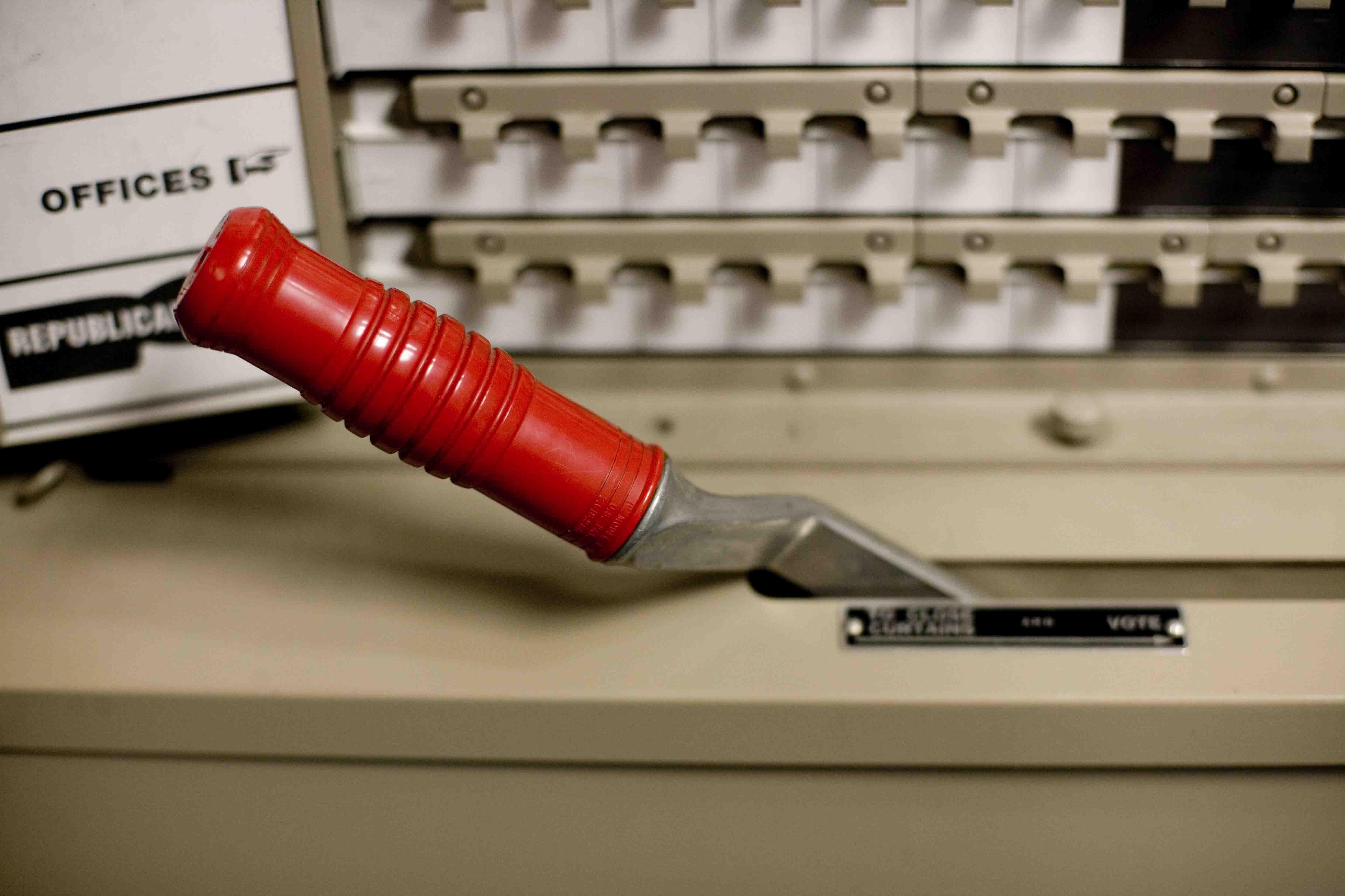 File Voting Machine Lever Jpg