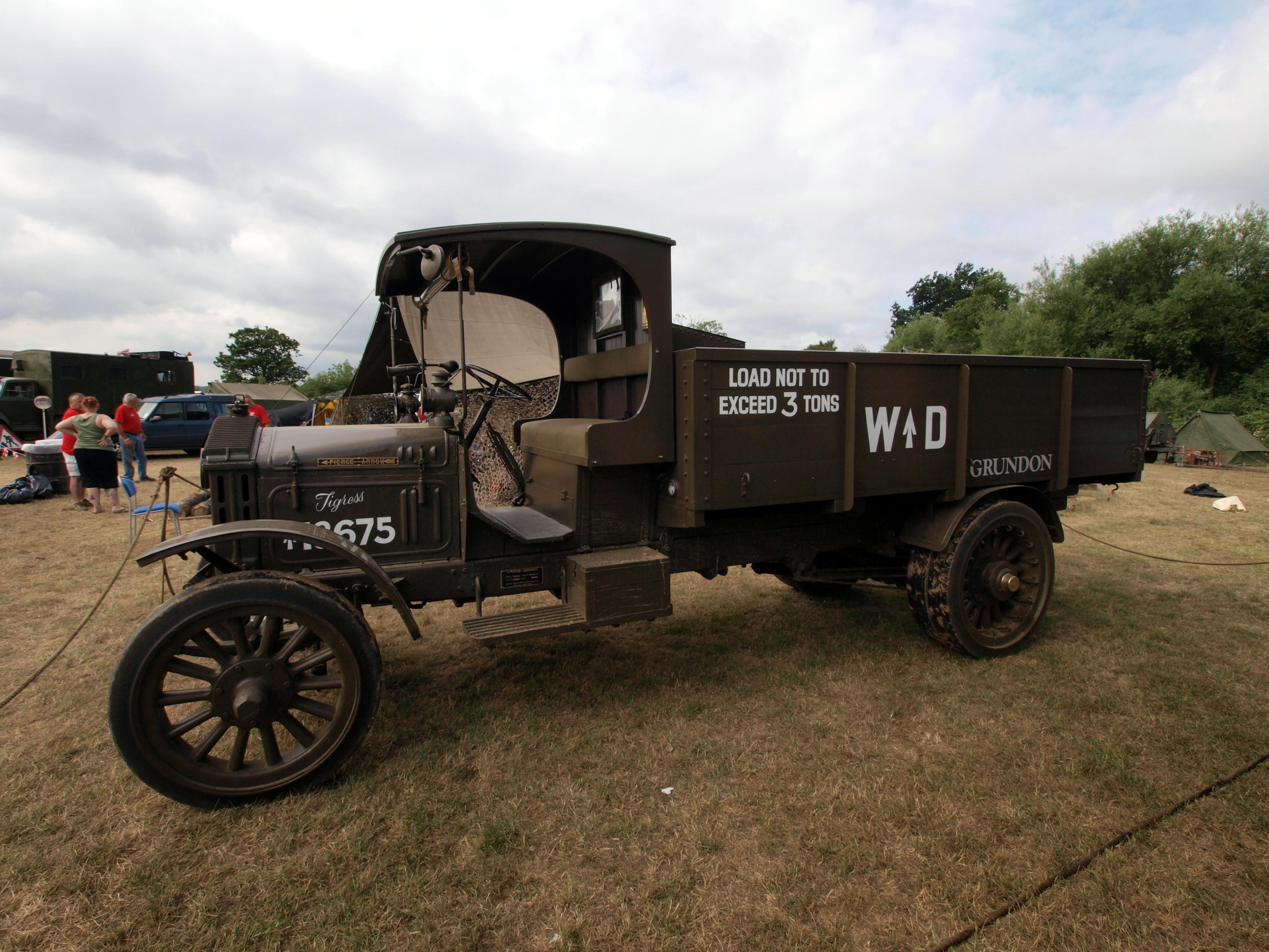 File 1916 Pierce Arrow Truck Pic2 Jpg Wikimedia Commons