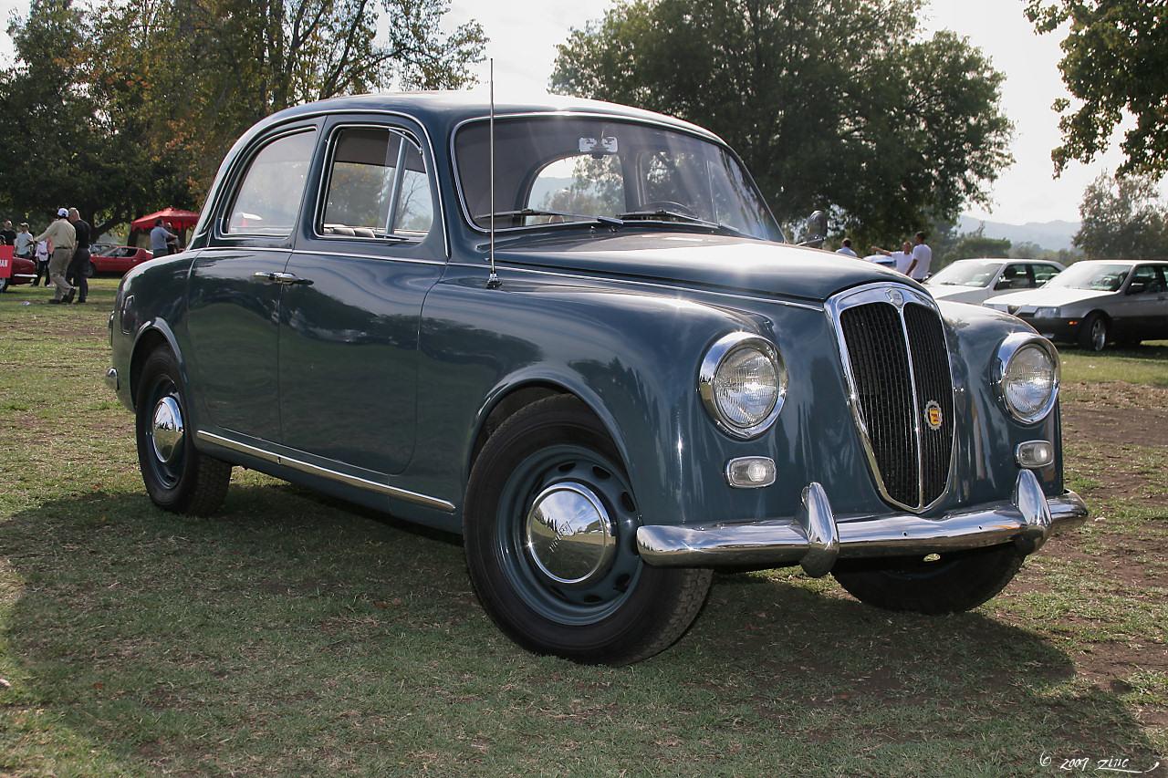 File:1959 Lancia Appia - blue - fvr-1 (4637734710).jpg - Wikimedia ...