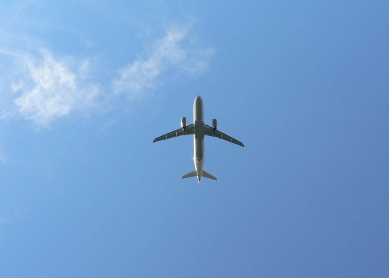 Image Result For Aeroplane Full Movie