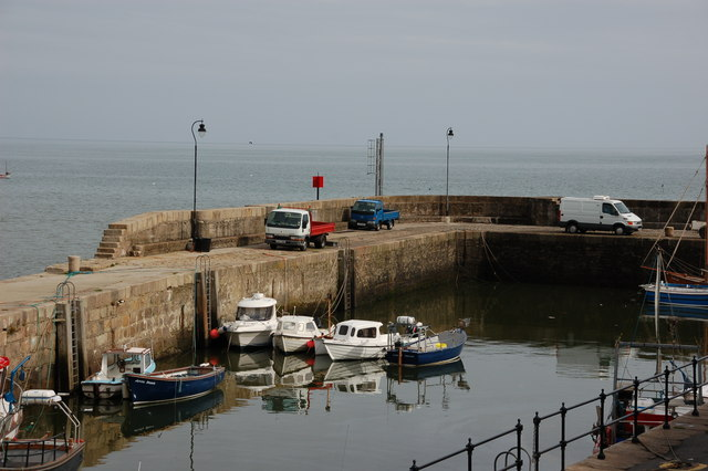 File:Annalong harbour - geograph.org.uk - 241419.jpg