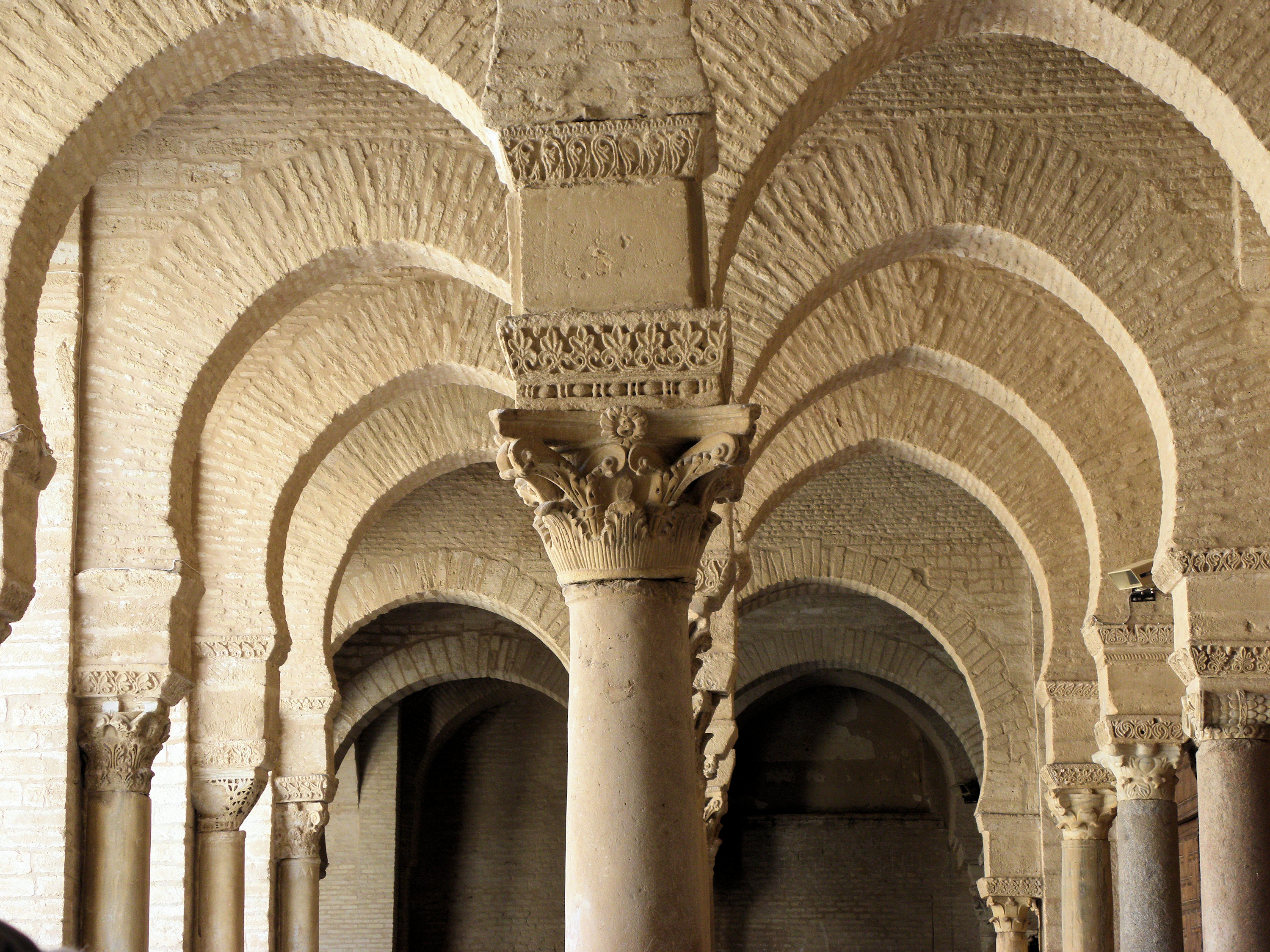 File Arches And Columns Great Mosque Of Kairouan Jpg