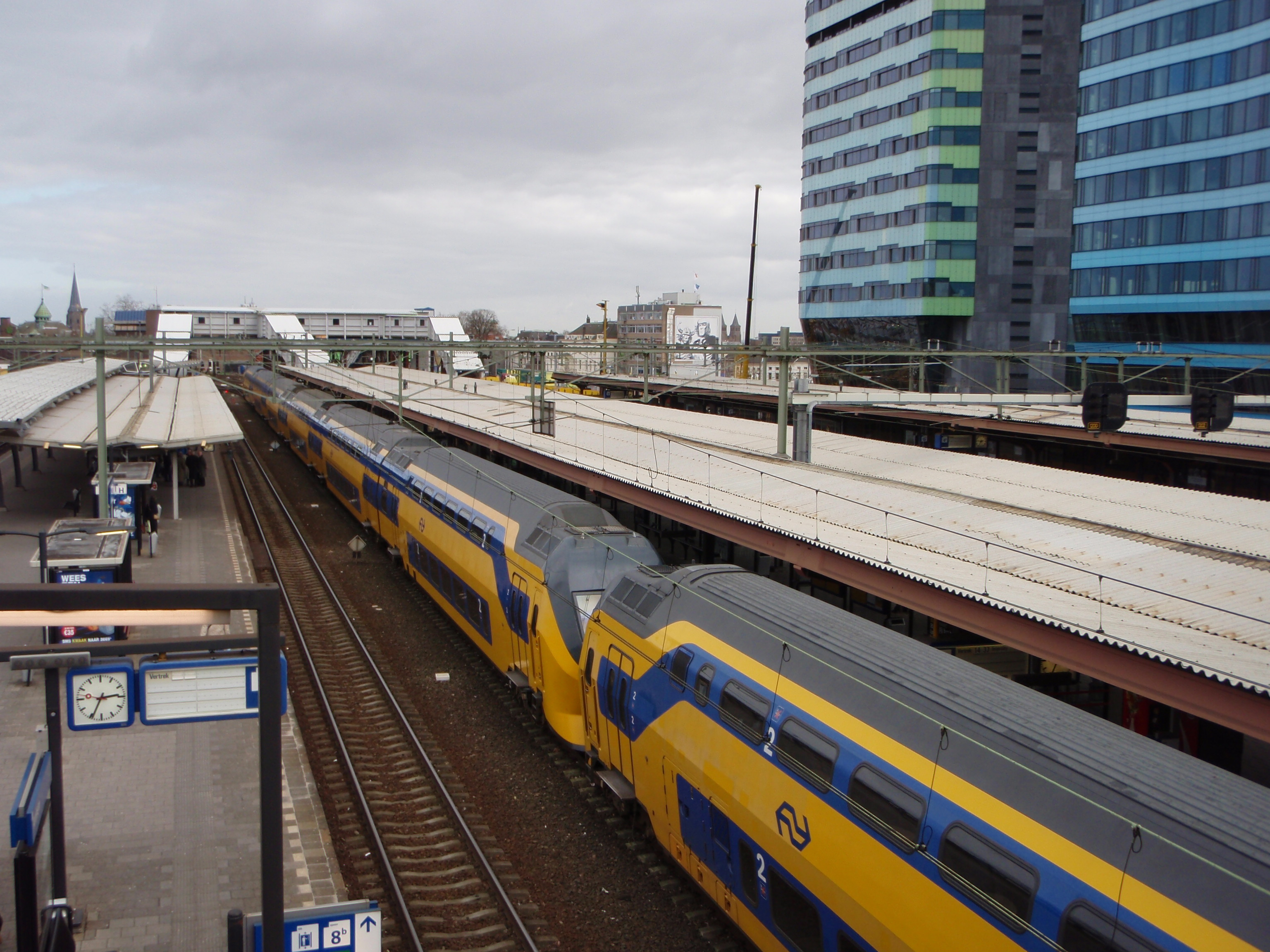 Arnhem Netherlands  City new picture : Arnhem Railway Station, The Netherlands Wikimedia Commons
