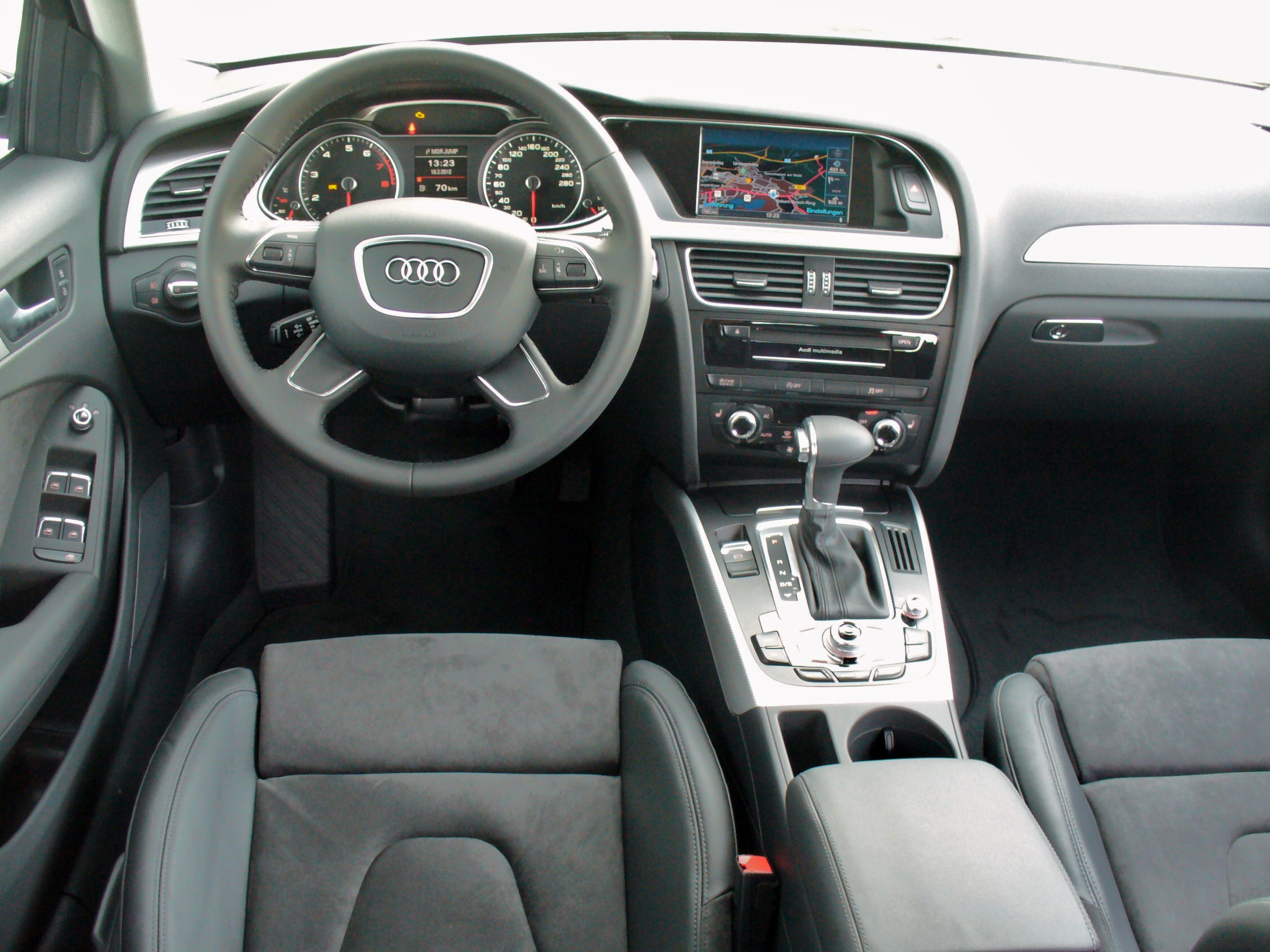 datei audi a4 b8 facelift allroad quattro 2 0 tfsi s tronic phantomschwarz interieur jpg wikipedia. Black Bedroom Furniture Sets. Home Design Ideas