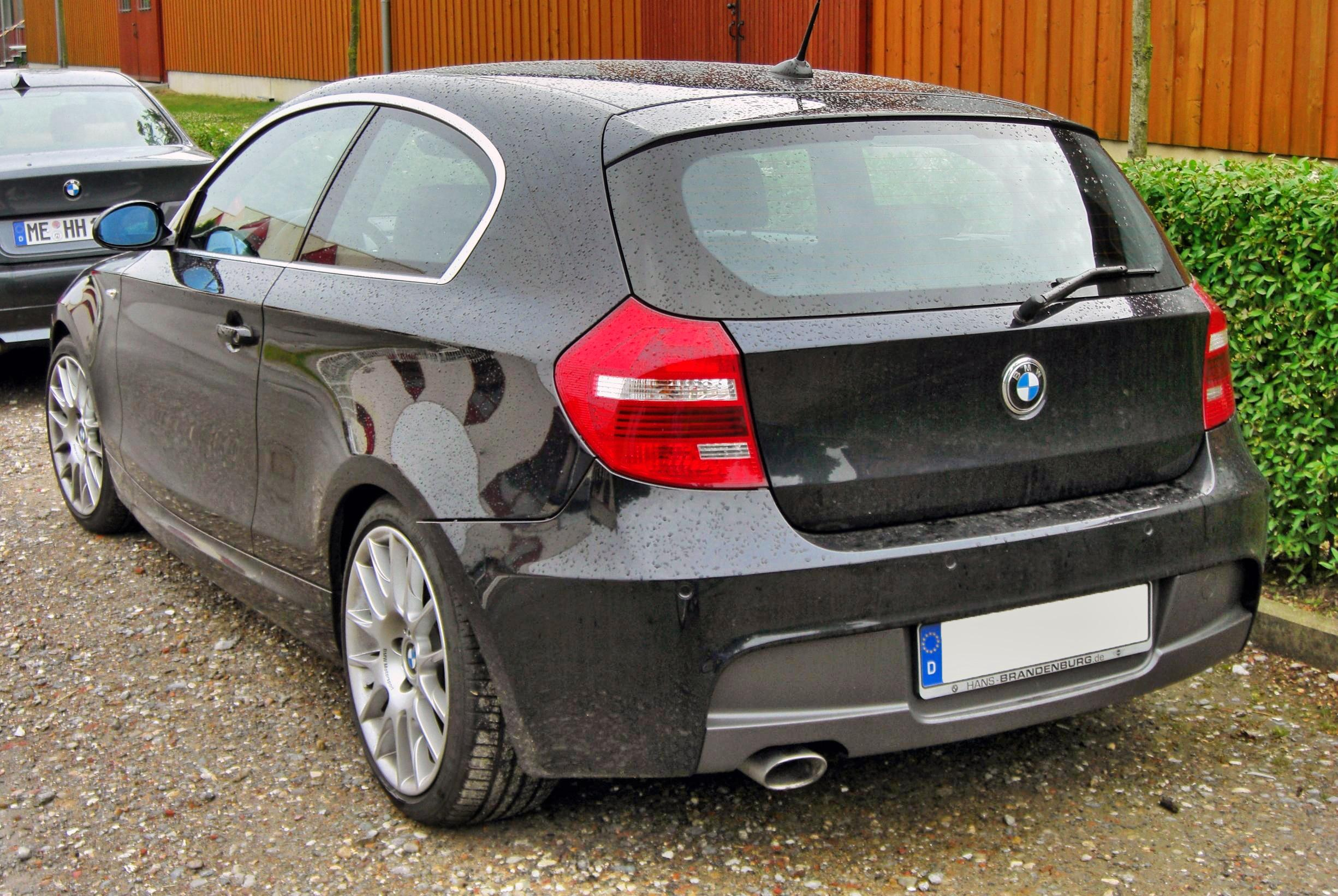 file bmw 120d m sportpaket facelift 20090615 rear jpg wikimedia commons. Black Bedroom Furniture Sets. Home Design Ideas
