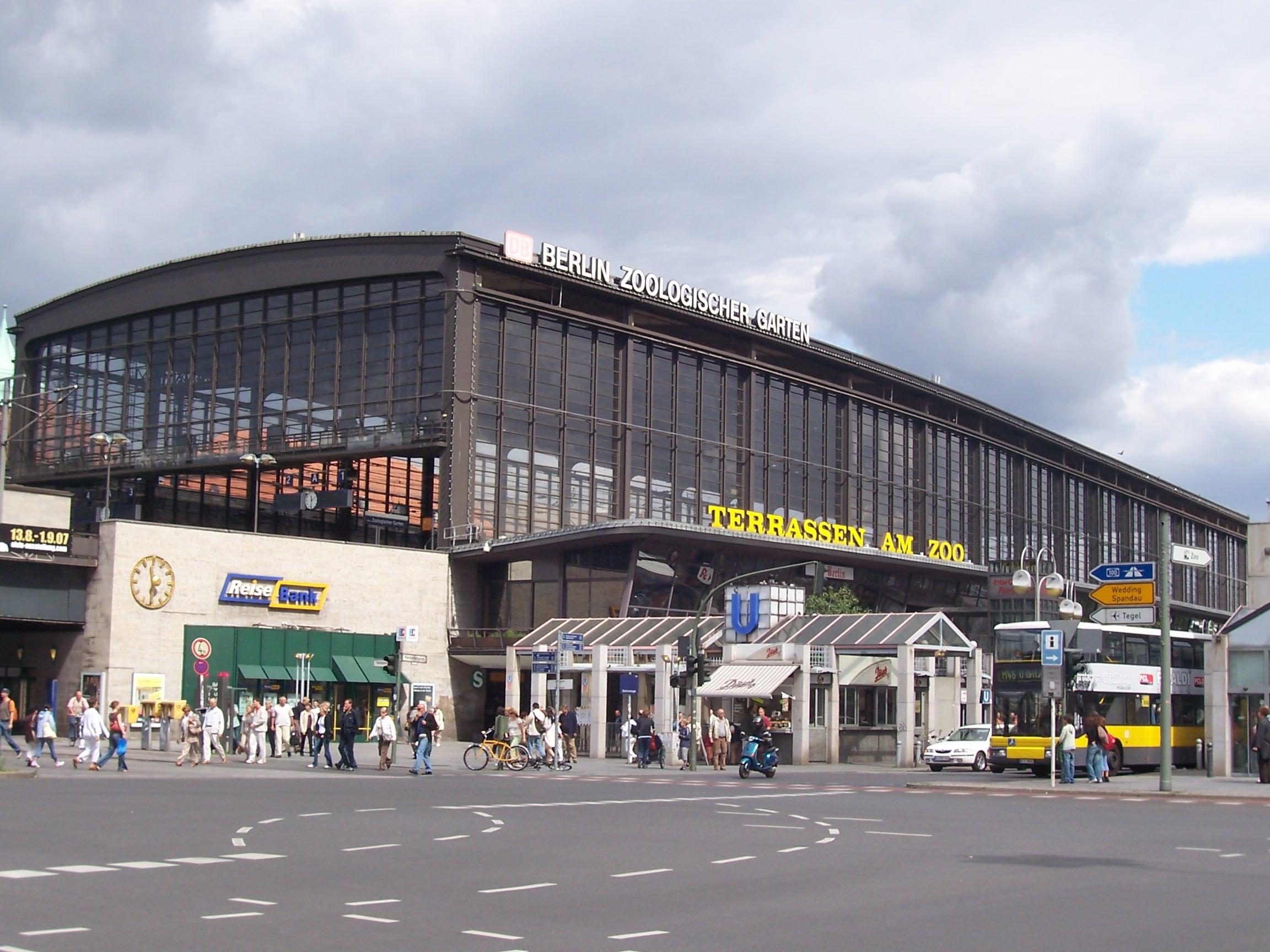 File Berlin Bahnhof Zoo Jpg Wikimedia Commons