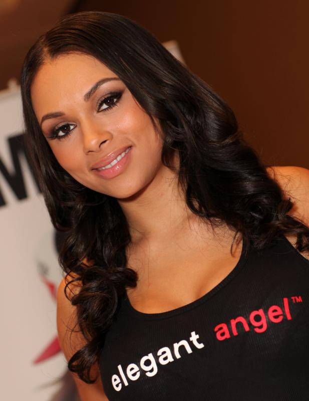 File:Bethany Benz AEE 2013.jpg - Wikimedia Commons