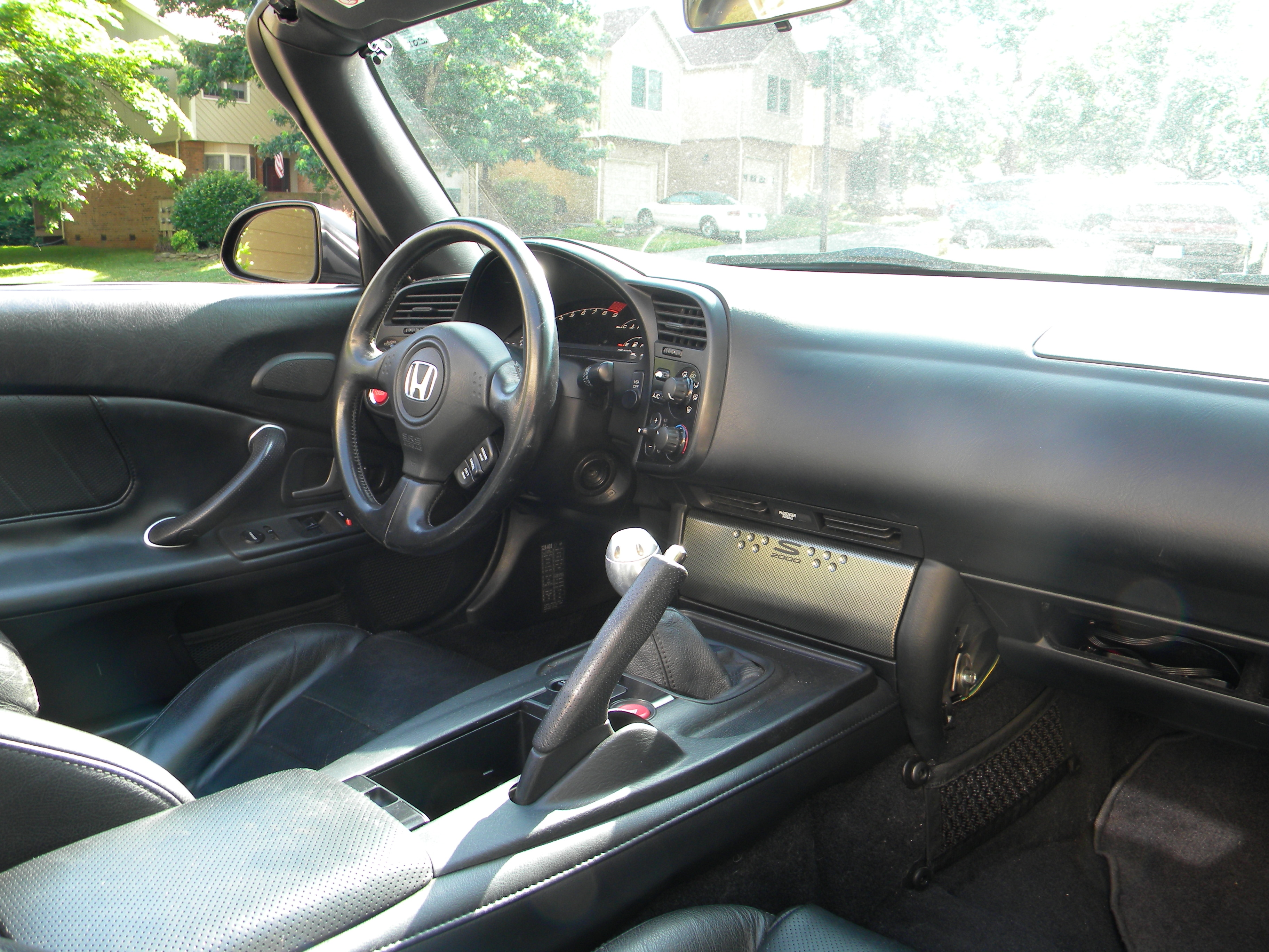 File:Black s2000 interior 1.JPG - Wikimedia Commons