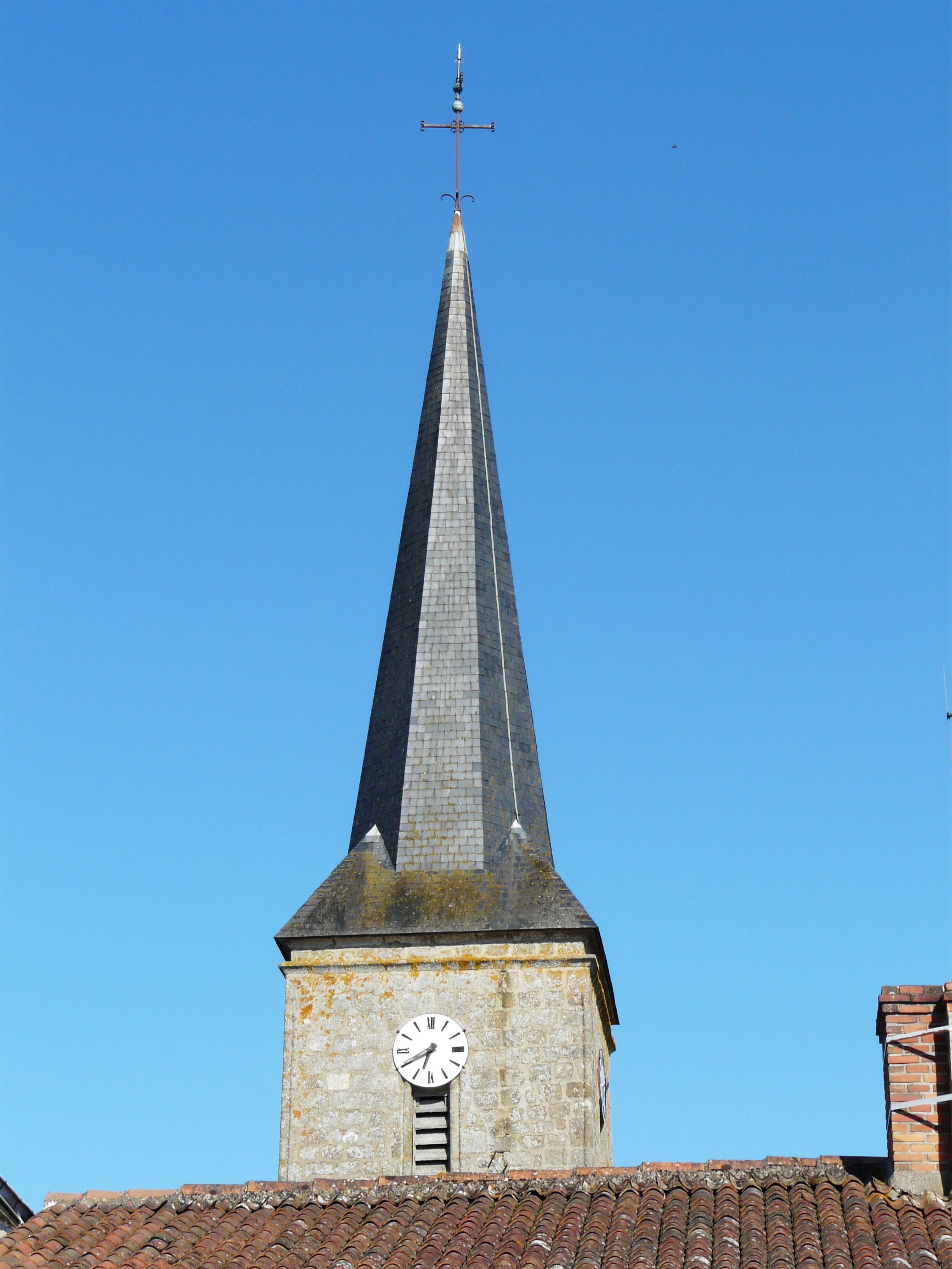 Narbonne Version 3 1: File:Boussais église Clocher.JPG