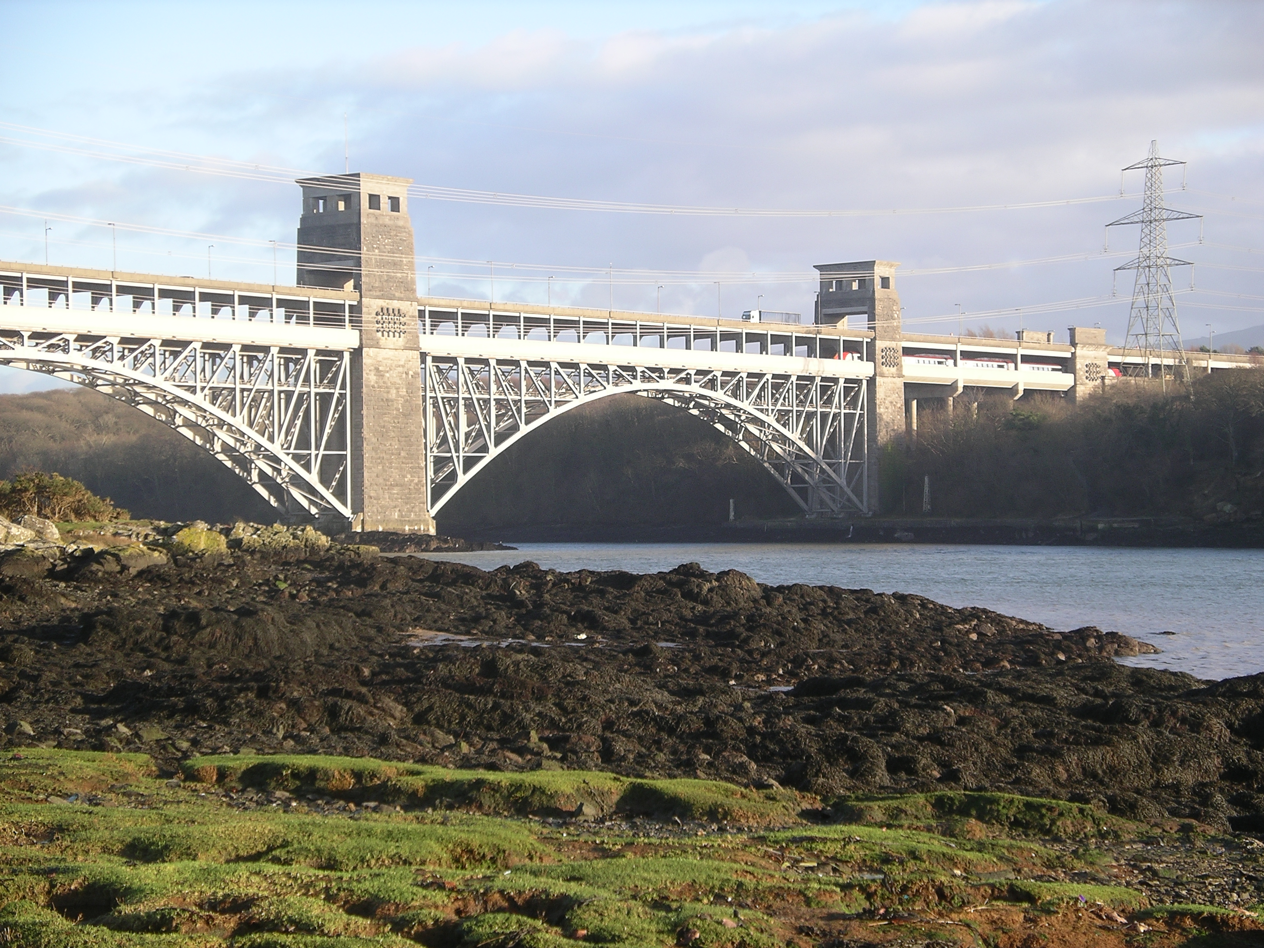 Britannia Bridge - Wikipedia