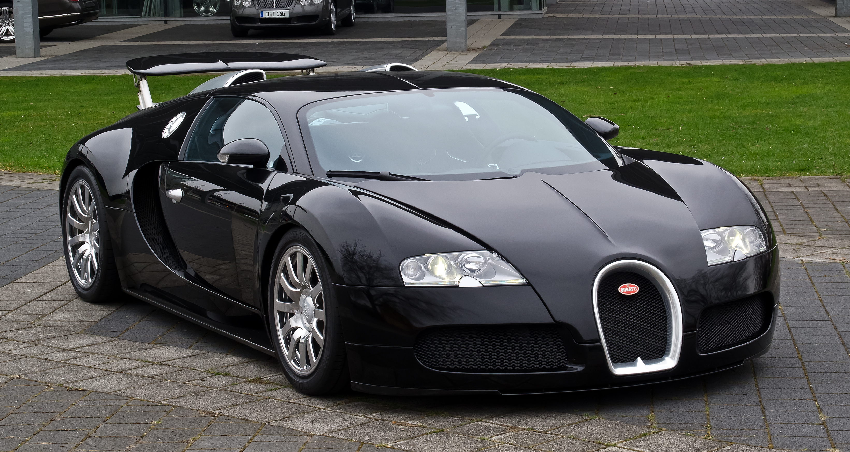 file bugatti veyron 16 4 frontansicht 2 5 april 2012 d wikipedia. Black Bedroom Furniture Sets. Home Design Ideas