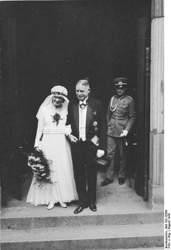 File Bundesarchiv Bild 102 10308 Berlin Hochzeit Wilhelm Groener