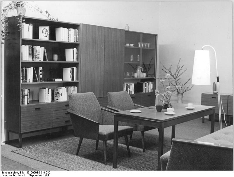 File bundesarchiv bild 183 c0908 0010 030 wohnzimmer veb for Wohnzimmer koch