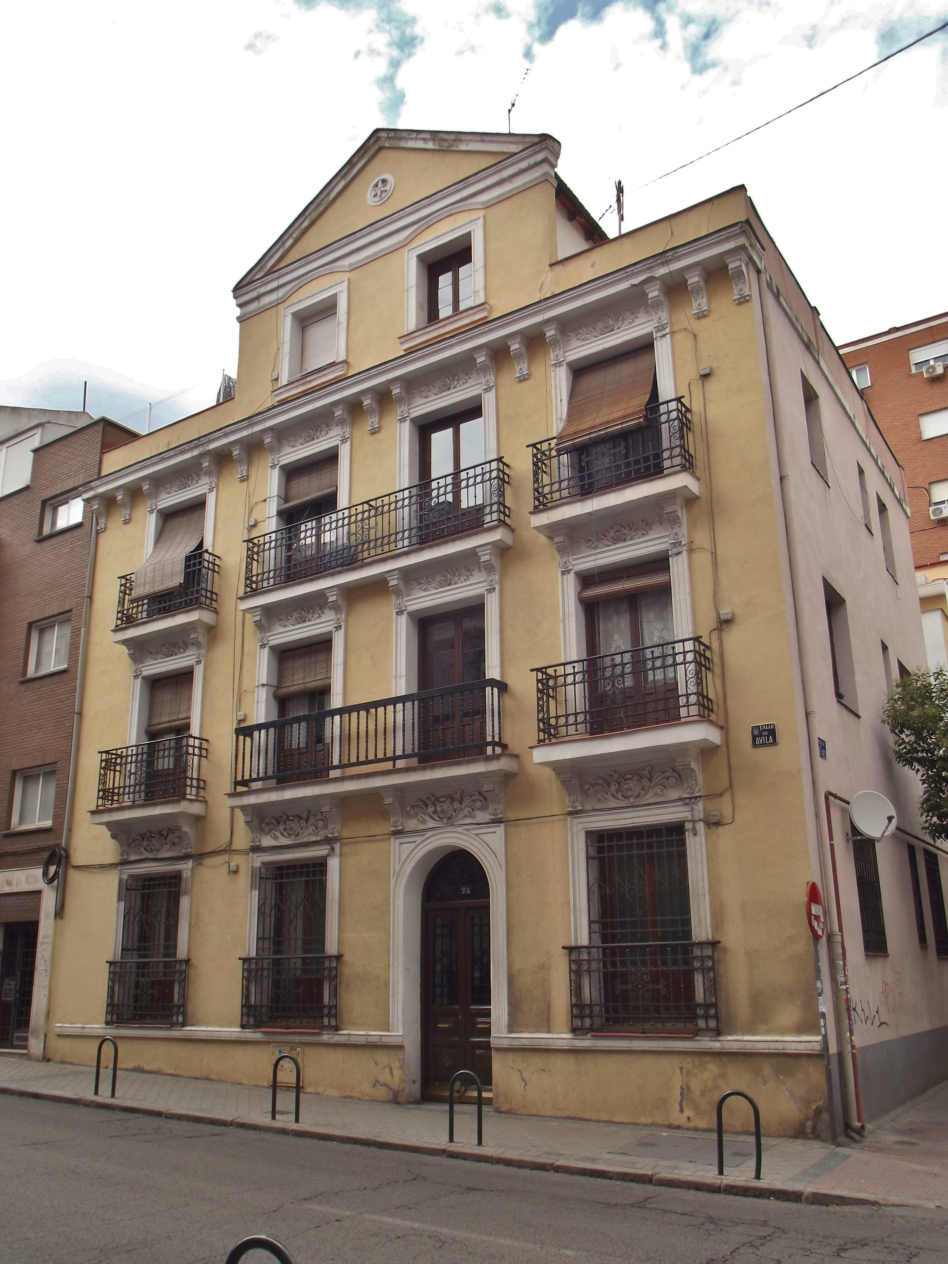 Archivo calle de vila 25 madrid jpg wikipedia la - H m calle orense madrid ...