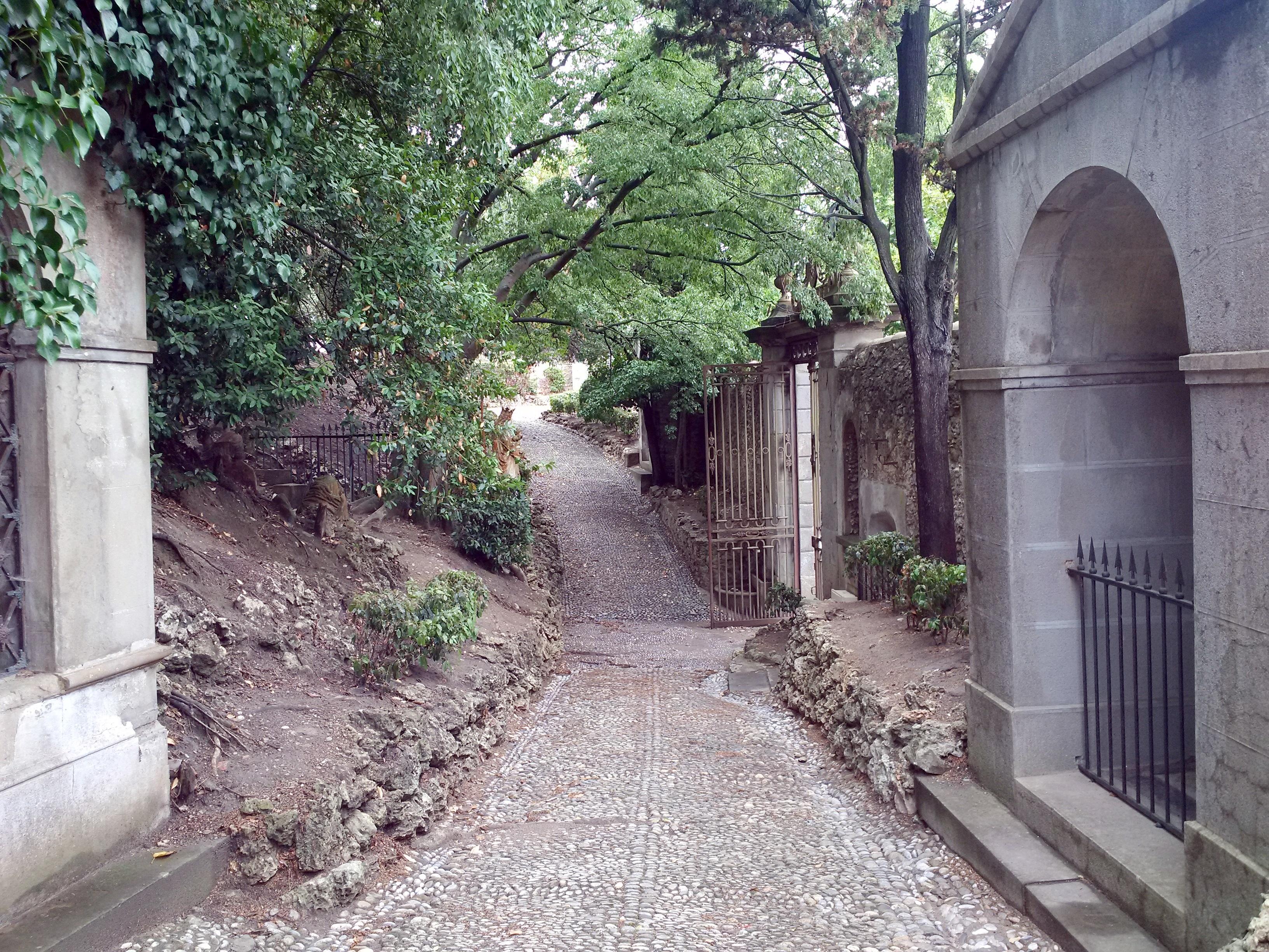 File carcassonne aude jardin du bastion du calvaire 6 for Le jardin carcassonne