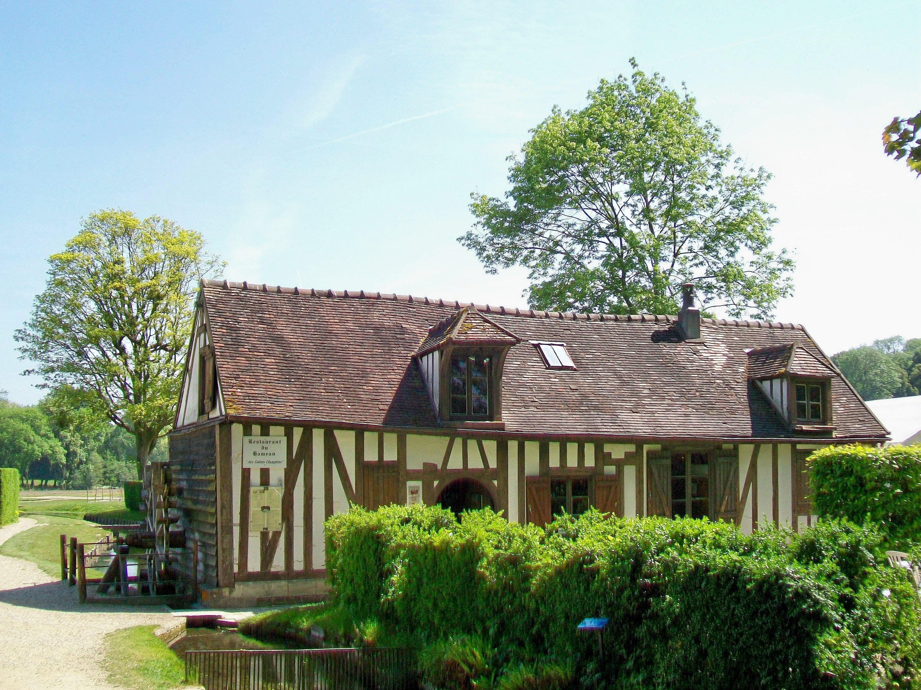 File Ch¢teau de Chantilly jardin anglo chinois le hameau le