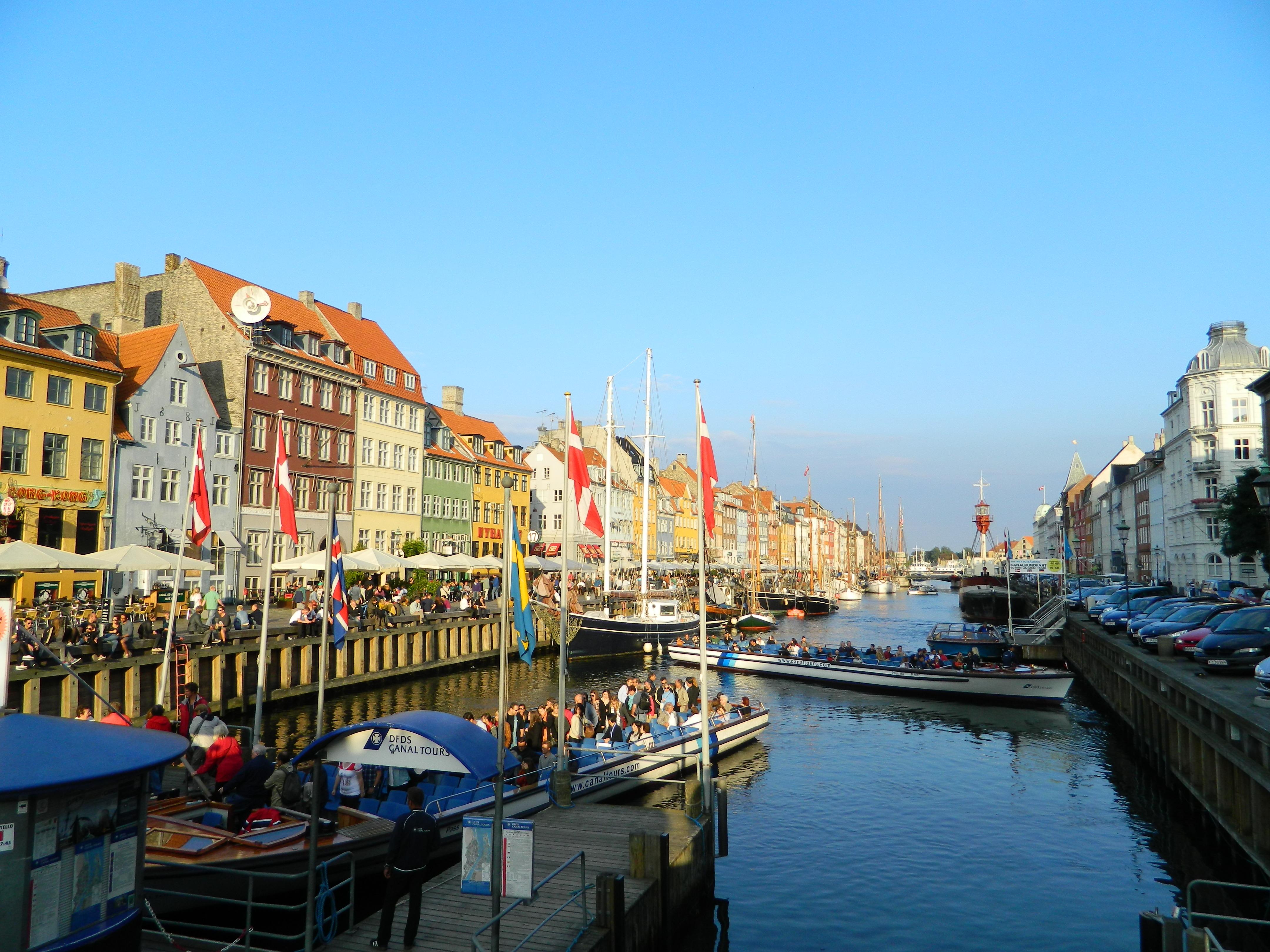 Canal Tours Copenhagen K Ef Bf Bdbenhavn K Denmark