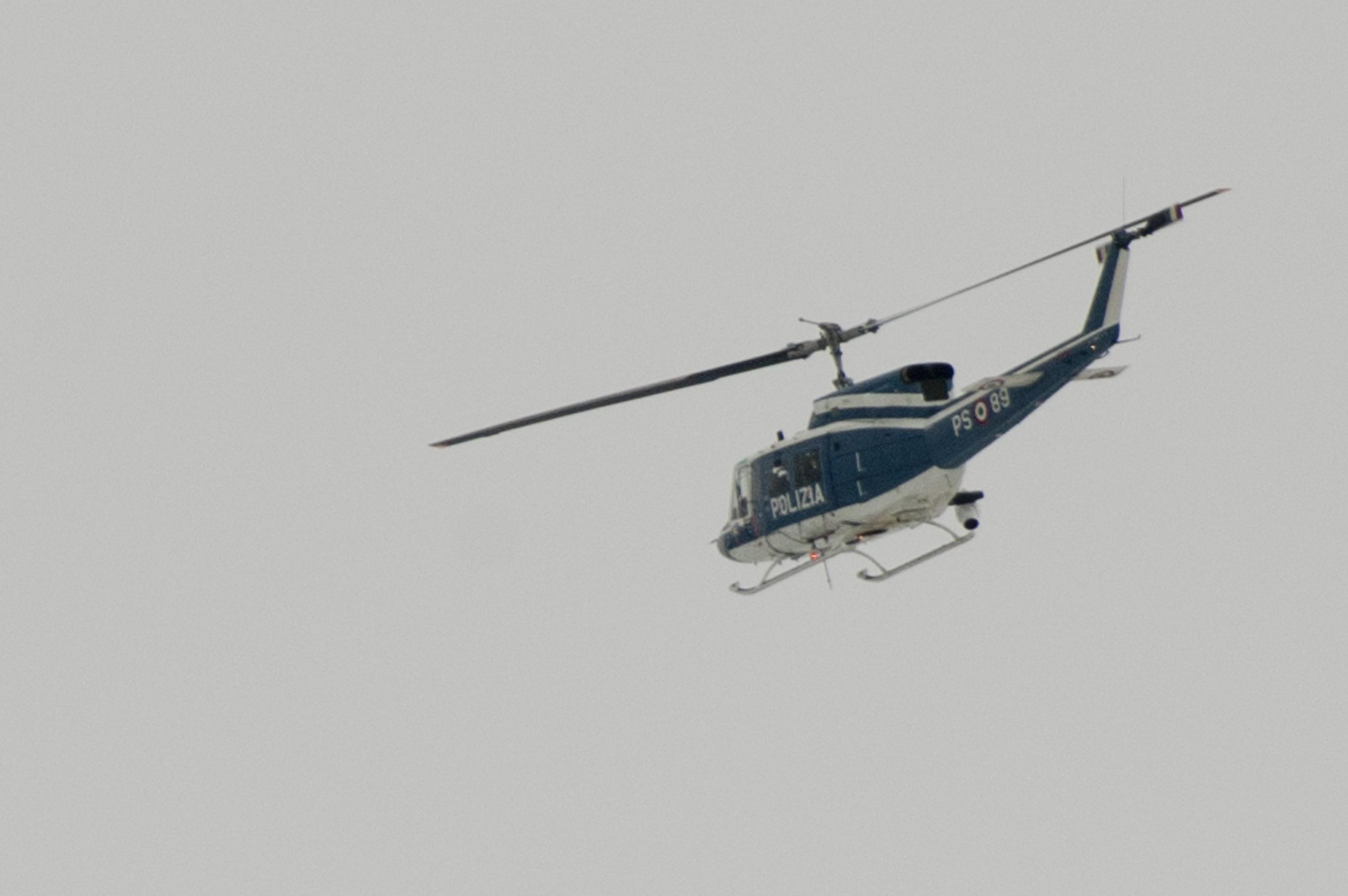 Elicottero Dat3 : File elicottero polizia roma g
